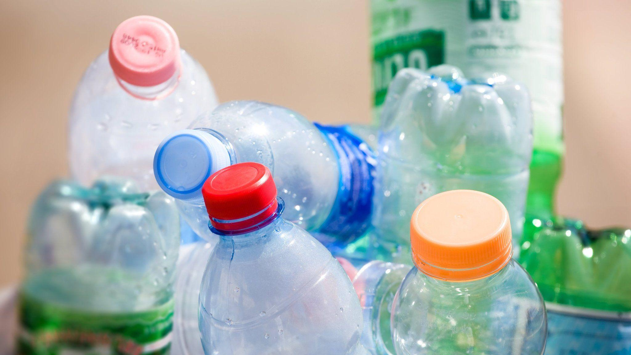 Отсутствие бисфенола А не делает пластиковые бутылки безопасными