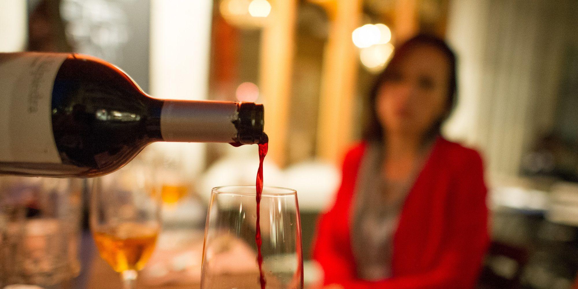 Злоупотребление алкоголем ухудшает течение ПМС
