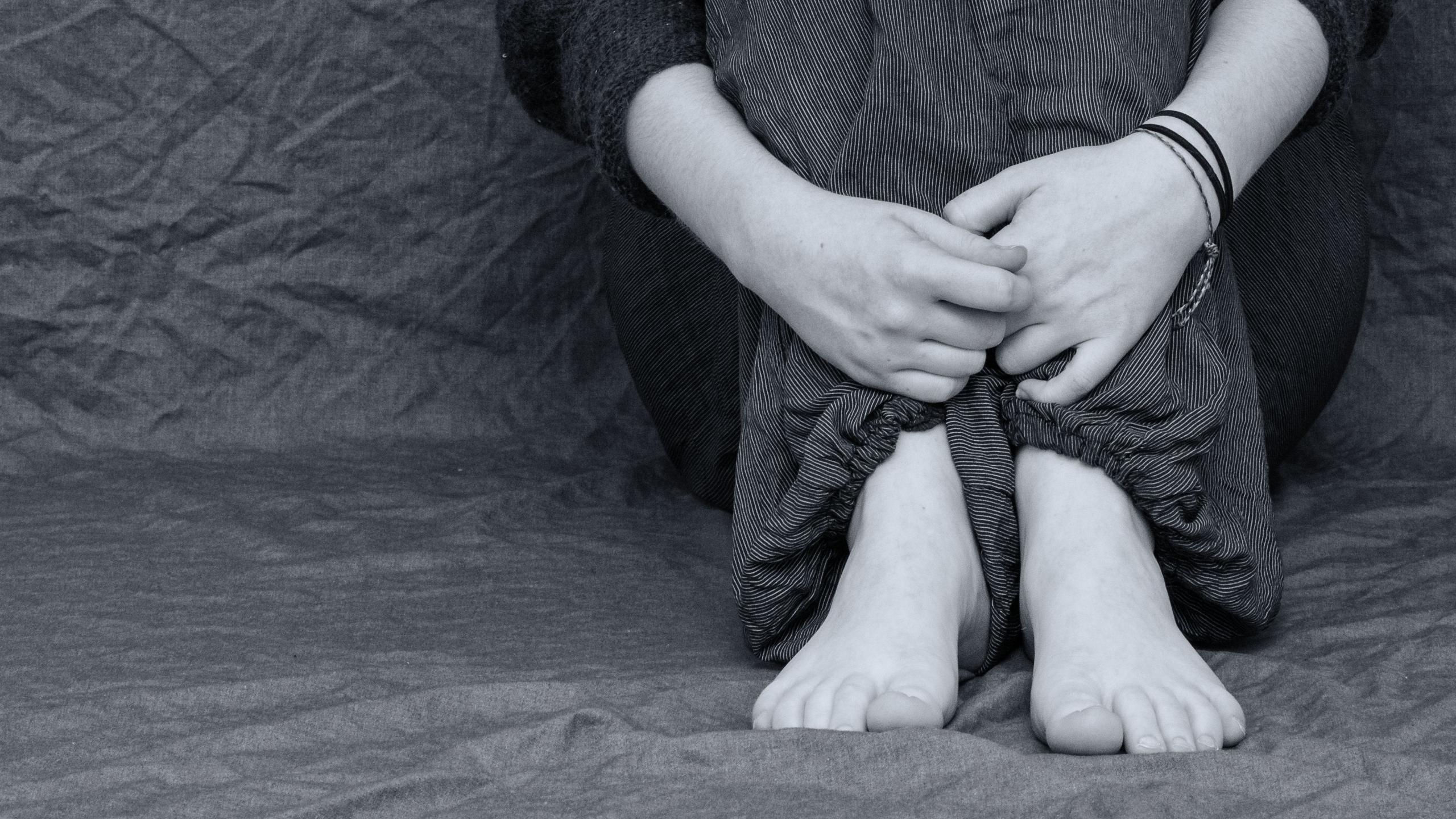 Психологи попытались объяснить склонность готов и эмо к самовредительству