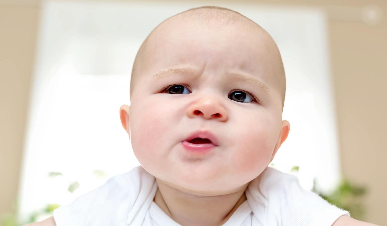 Лекарства против срыгивания связали с риском аллергии у детей