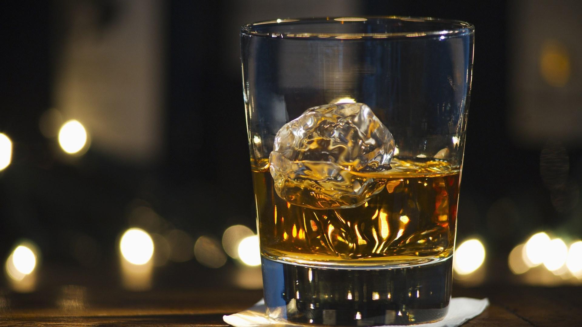 Алкоголь оказался еще опаснее. Ученые объявили о новых «безопасных» дозах выпивки