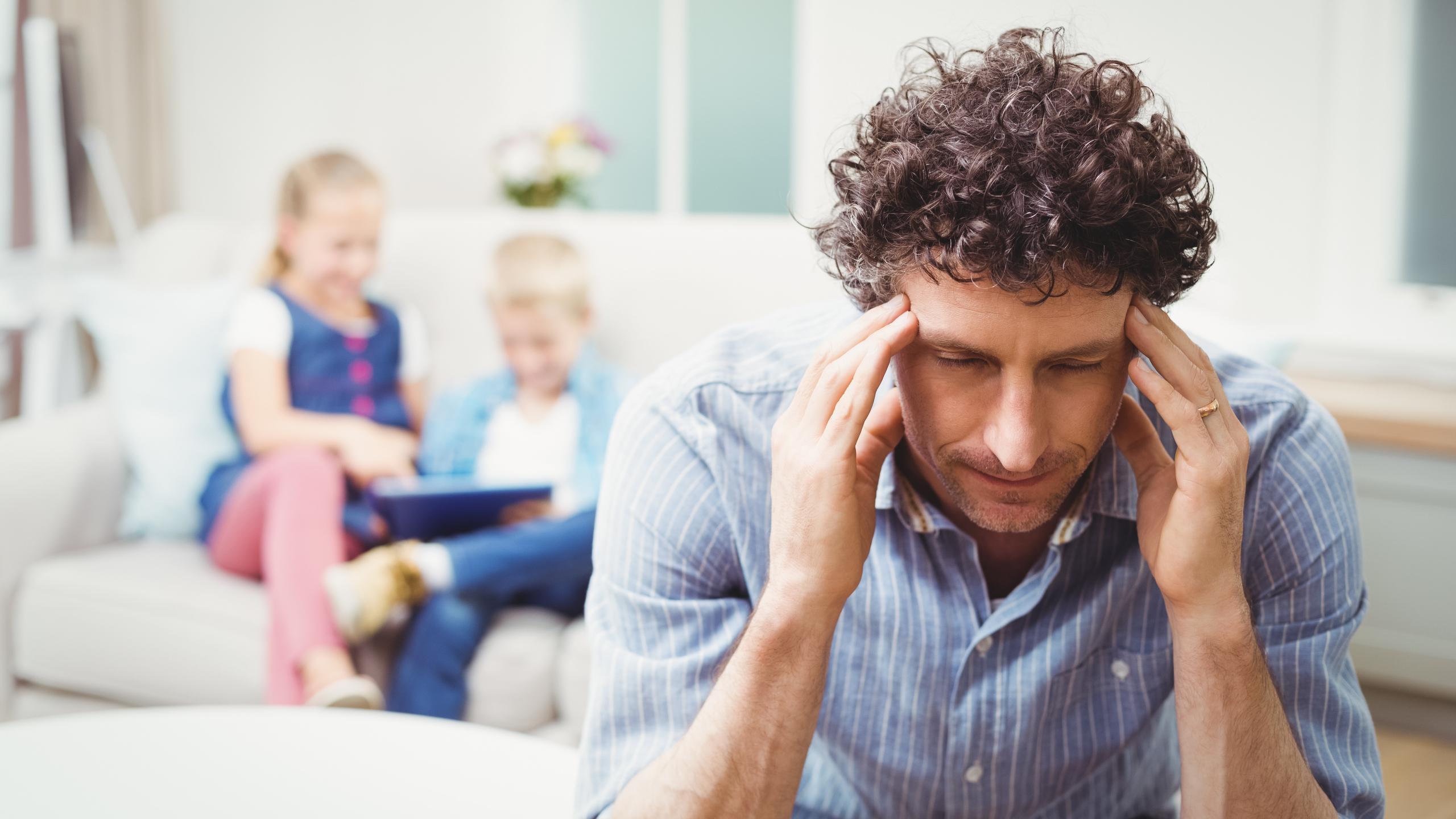 Отцы чаще матерей «передают» детям депрессию