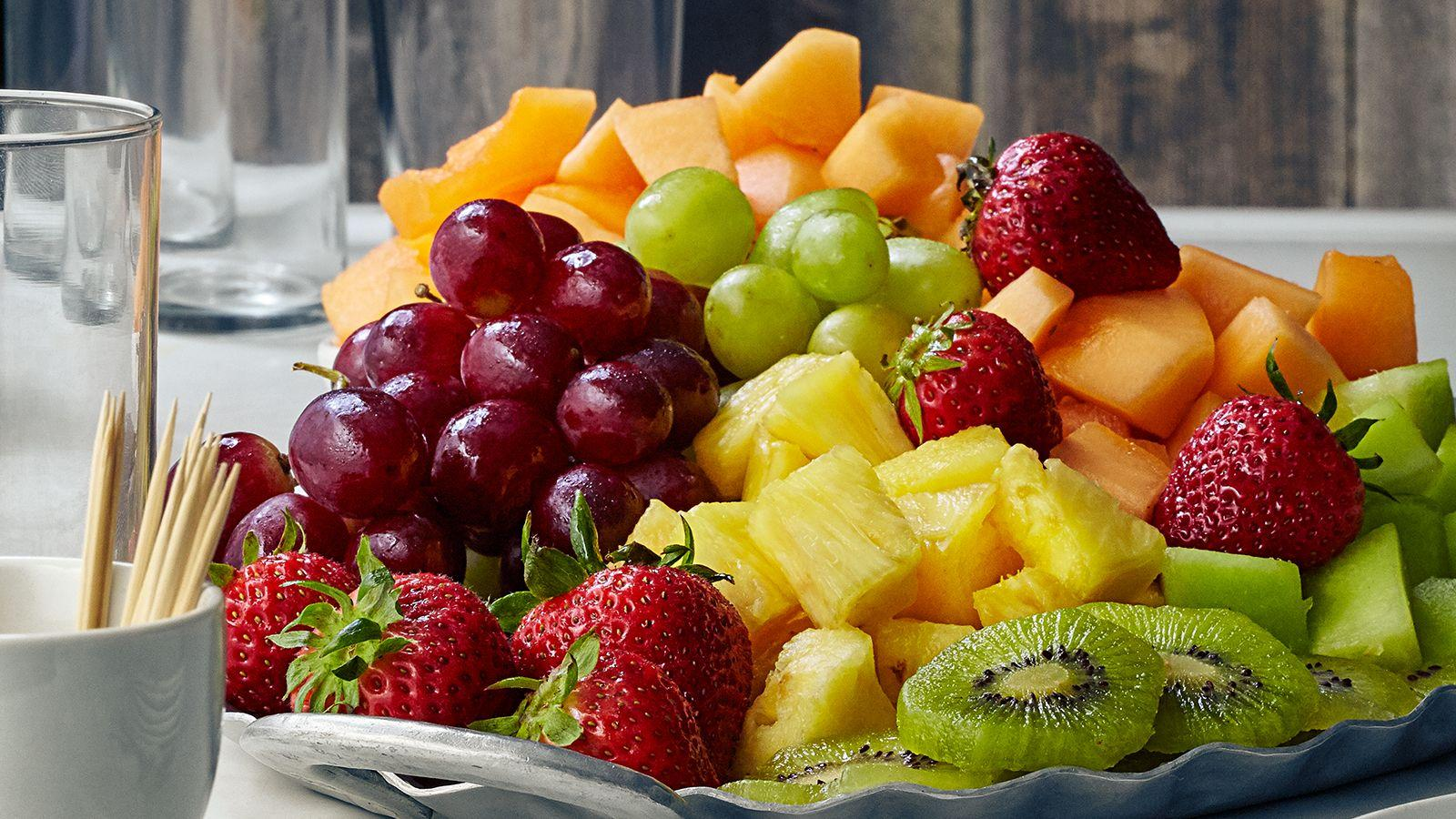 Для снижения риска рака груди посоветовали есть больше фруктов и овощей
