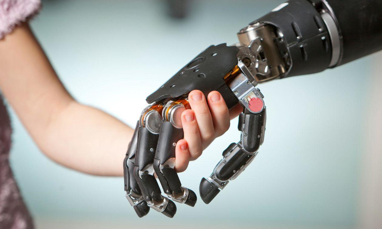 Кто будет виноват, если робот, управляемый «силой мысли» уронит ребёнка?