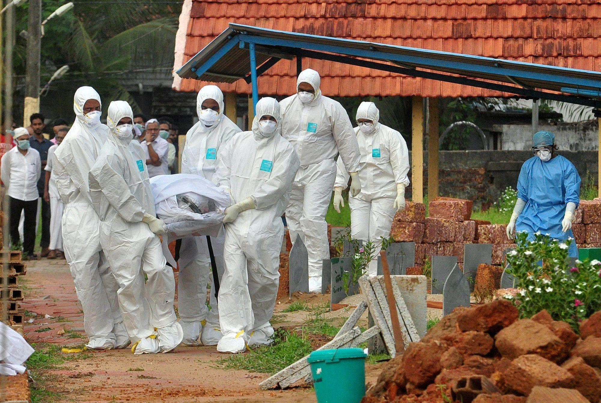 Новыми жертвами смертельного вируса в Индии стали жители 55 и 28 лет