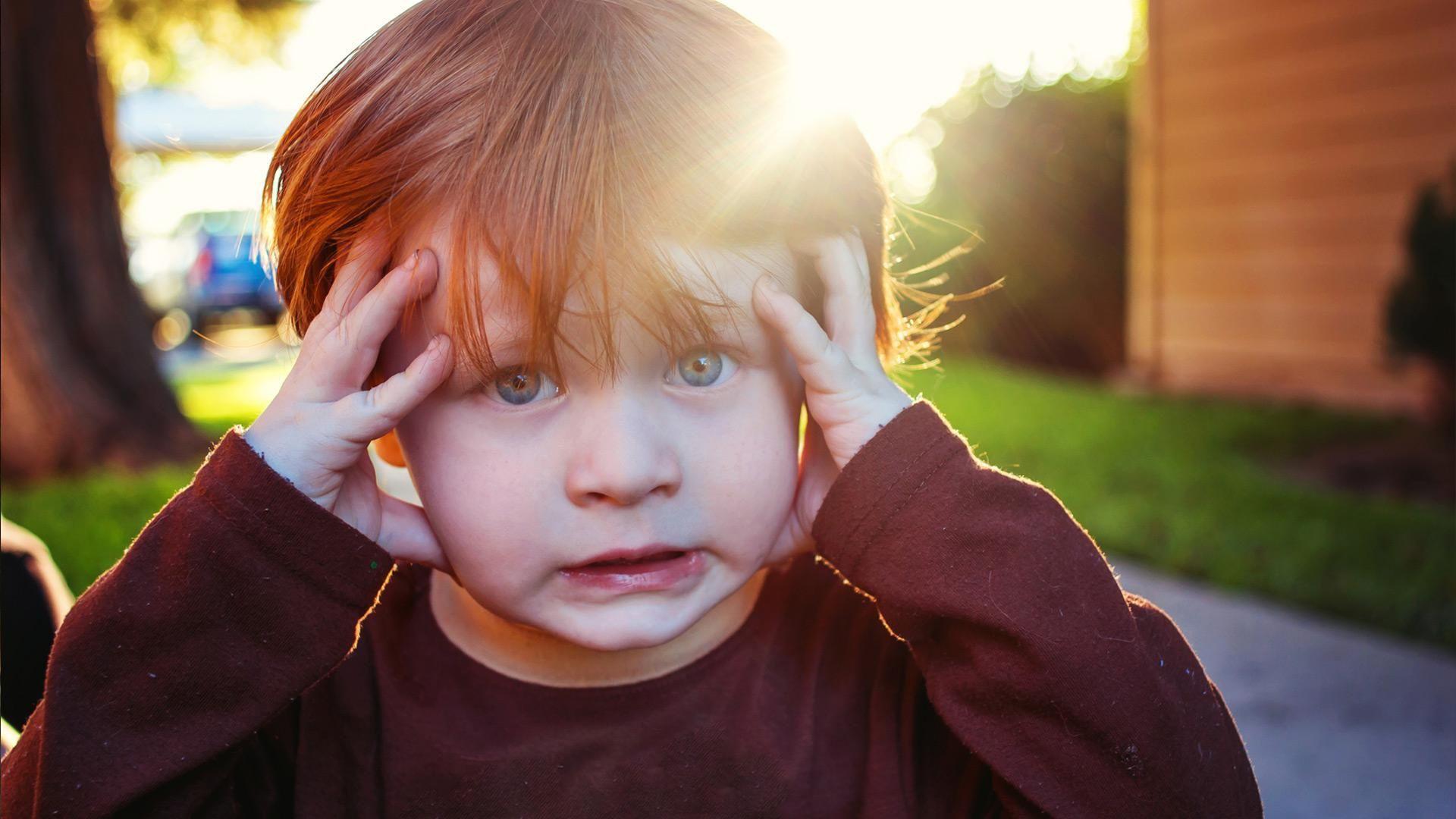 Детская травма заставила мозг быстрее развиваться