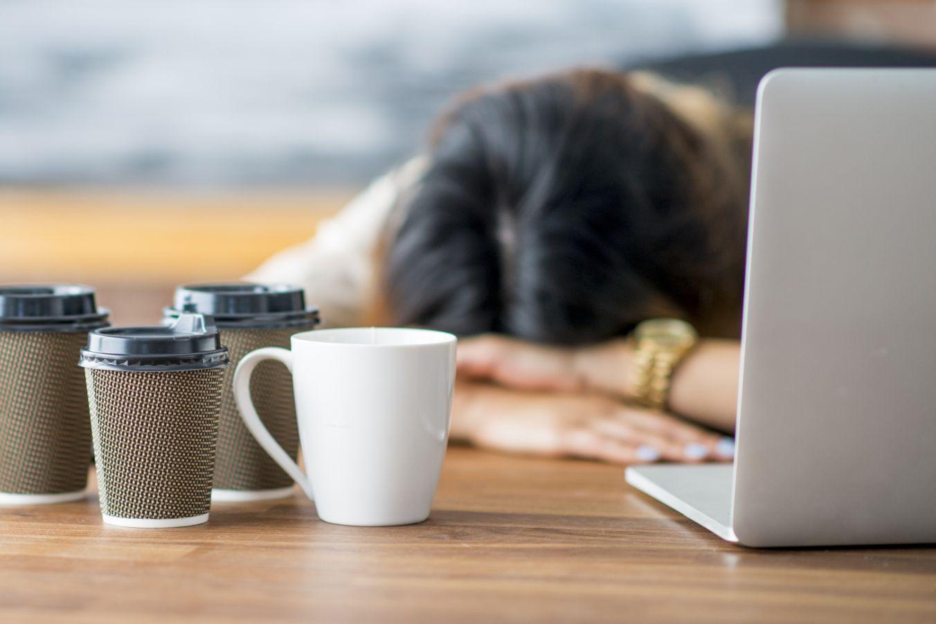 Бессонные ночи существенно изменяют работу свыше 100 белков
