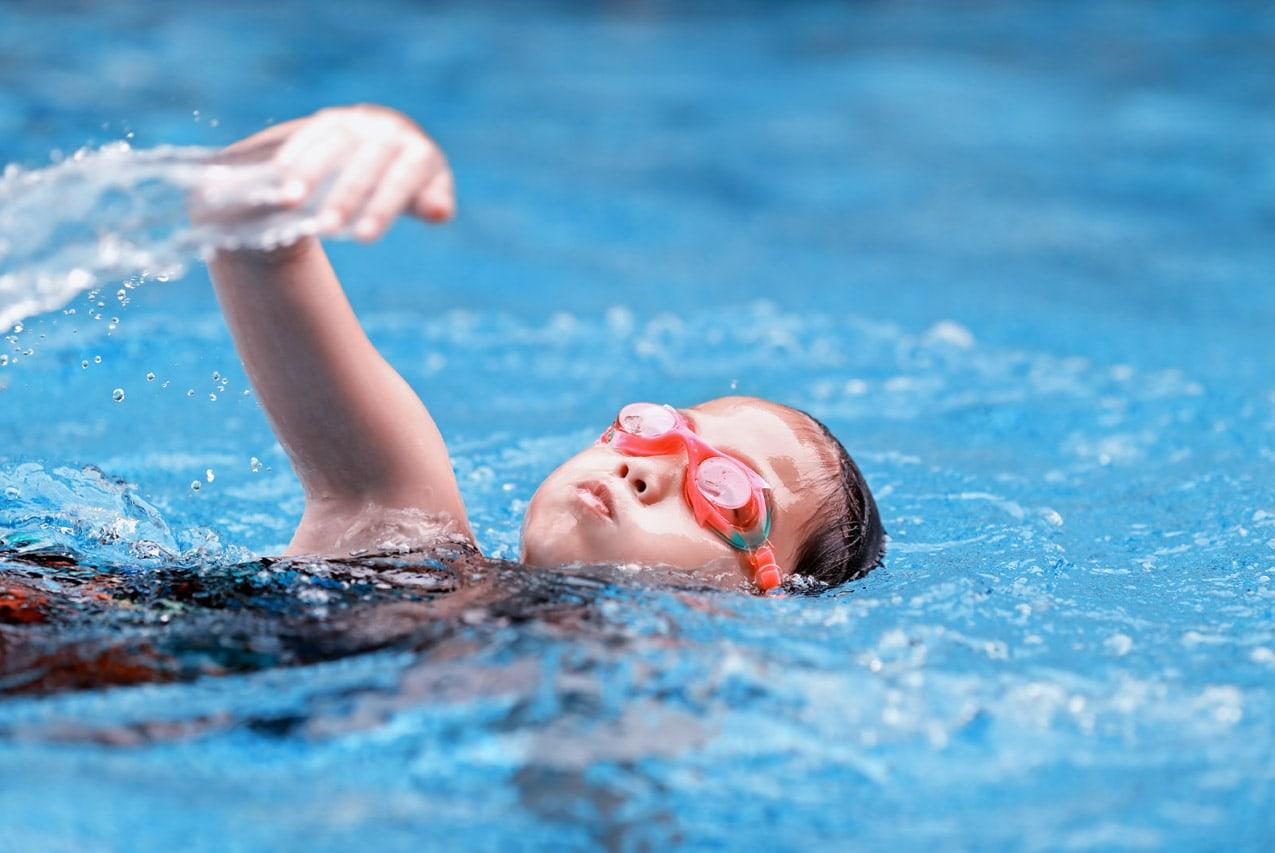 перерыв между едой и плаваньем
