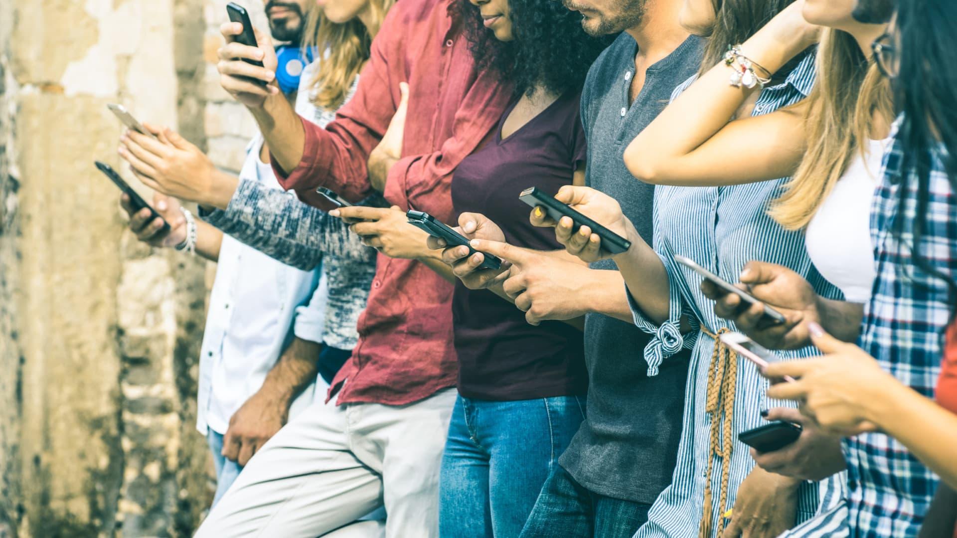 Мобильный телефон ухудшает память подростков