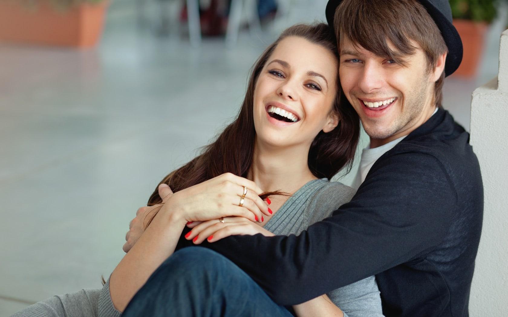 Искусственный интеллект научился различать мужчин и женщин по улыбке
