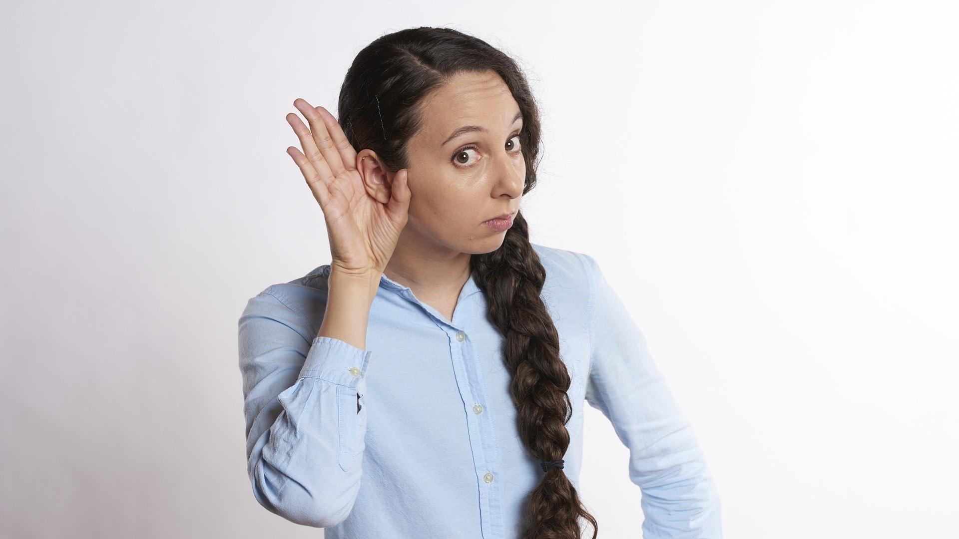 Взрослые обогнали детей по количеству услышанных иллюзорных звуков