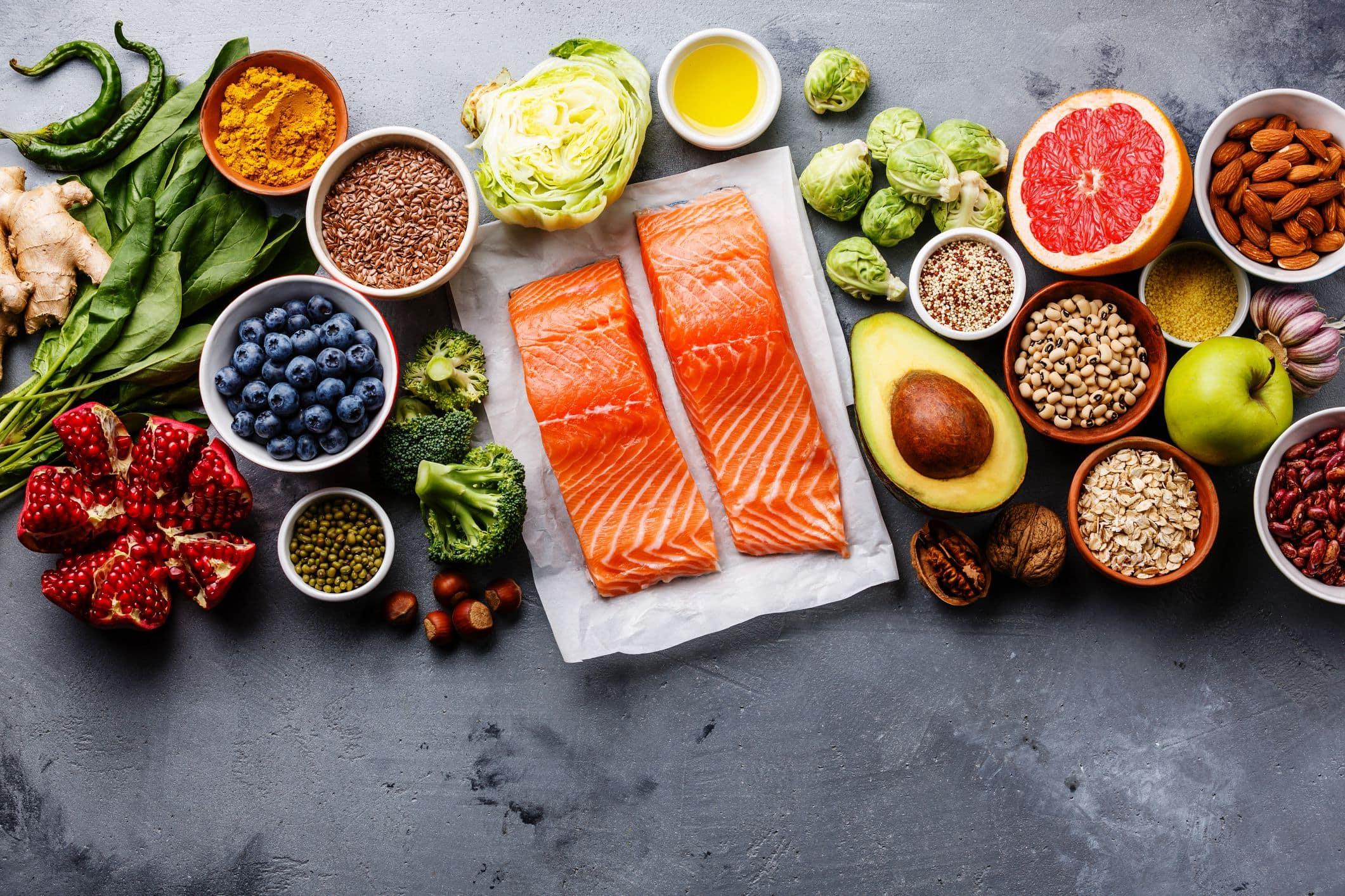 Низкокалорийная диета дает больше пользы мужчинам, чем женщинам