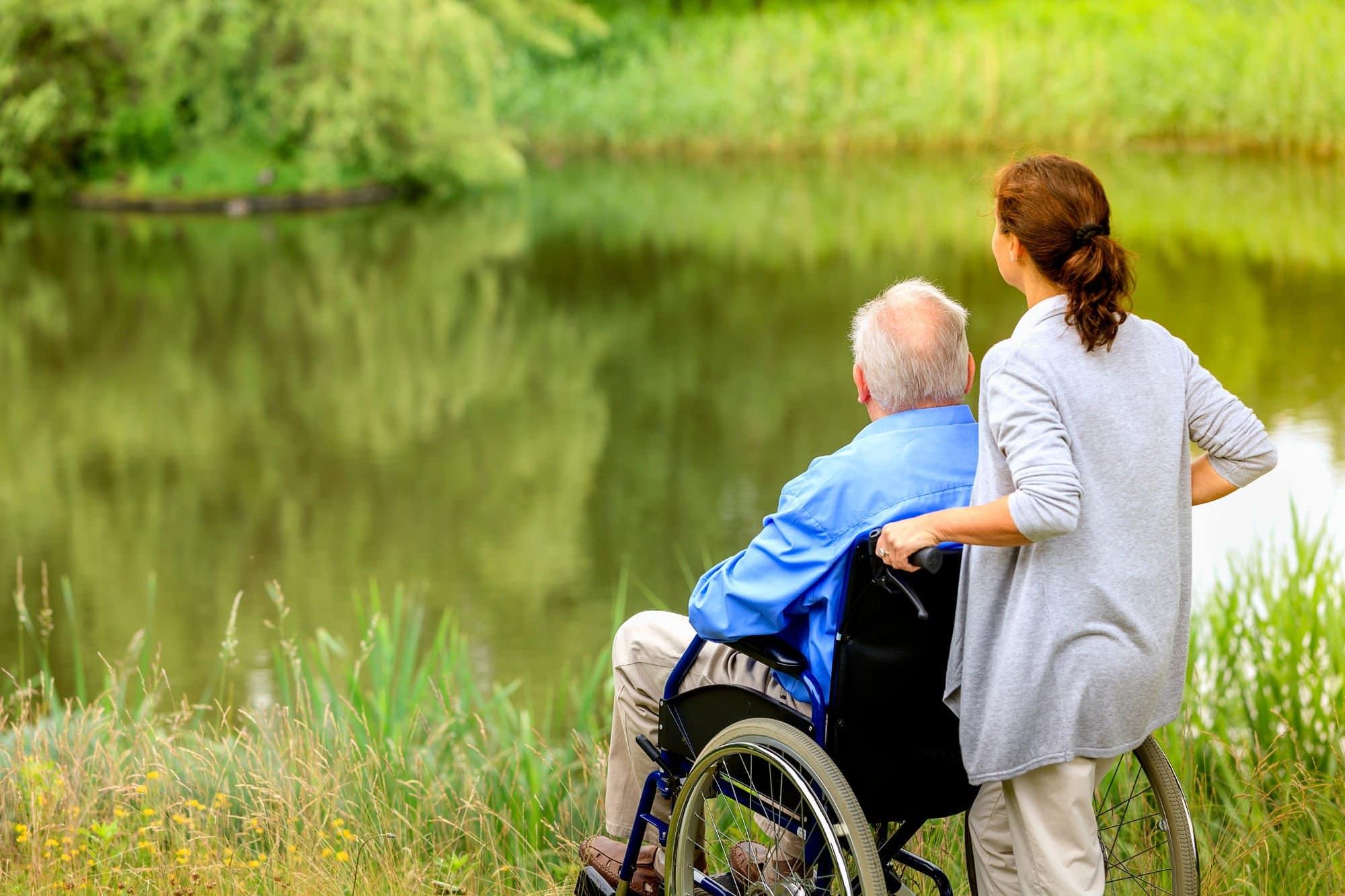 Как оказание помощи другим людям влияет на мозг человека