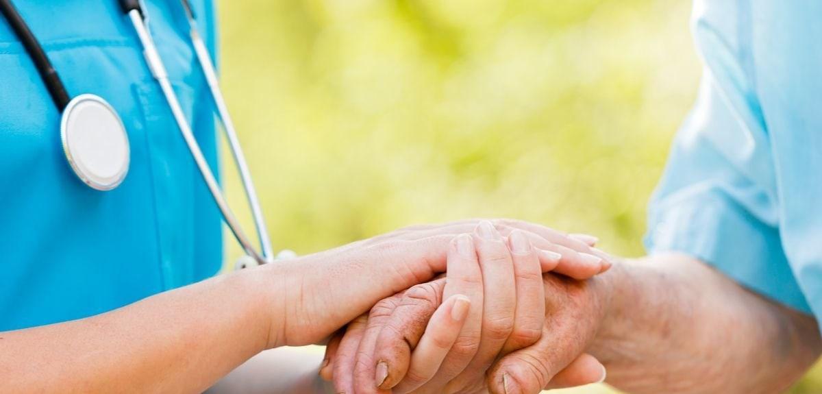 Депрессия на фоне онкологии: лечить или не лечить?
