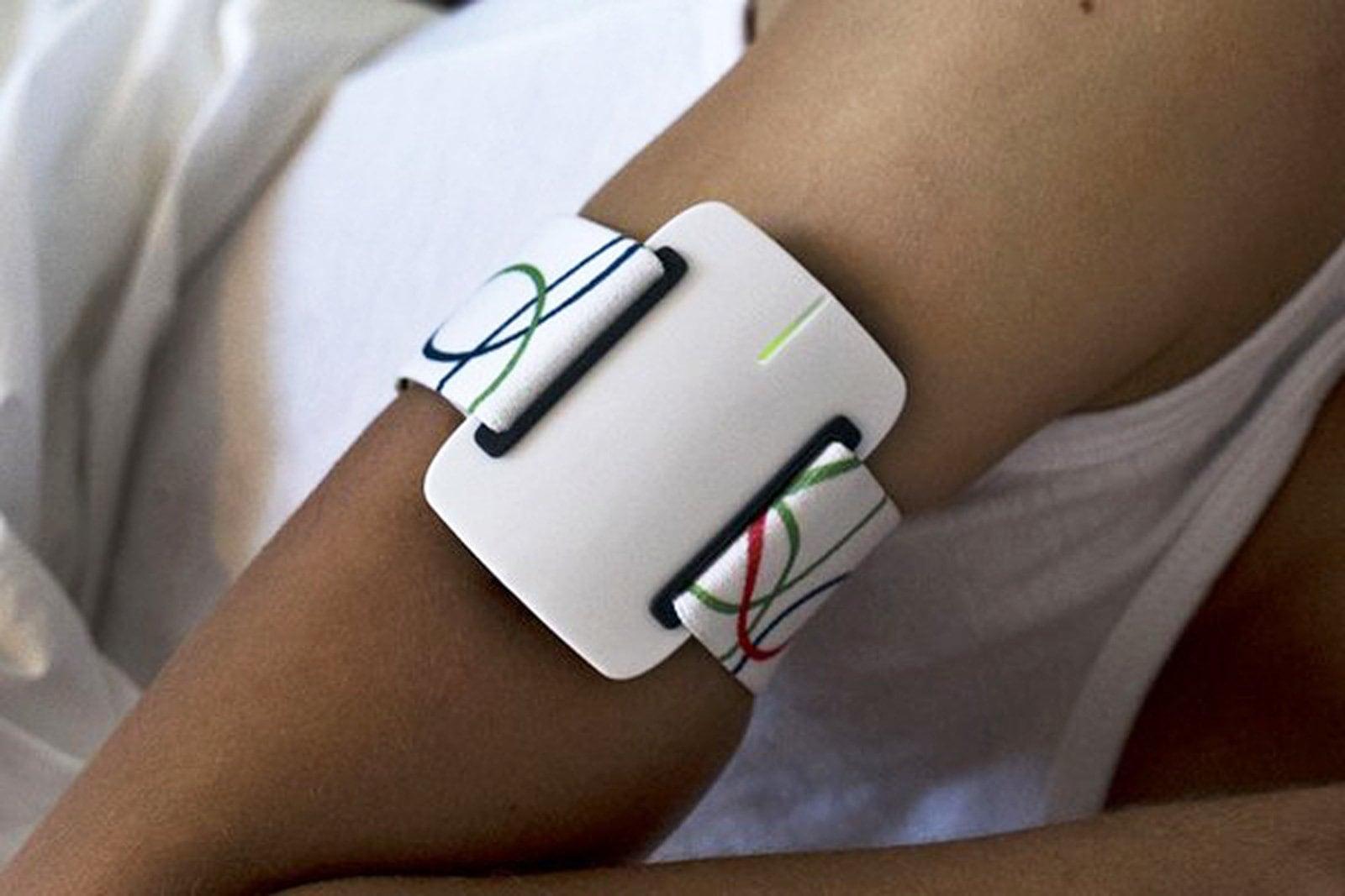 Умный браслет подаст сигнал о приступе эпилепсии