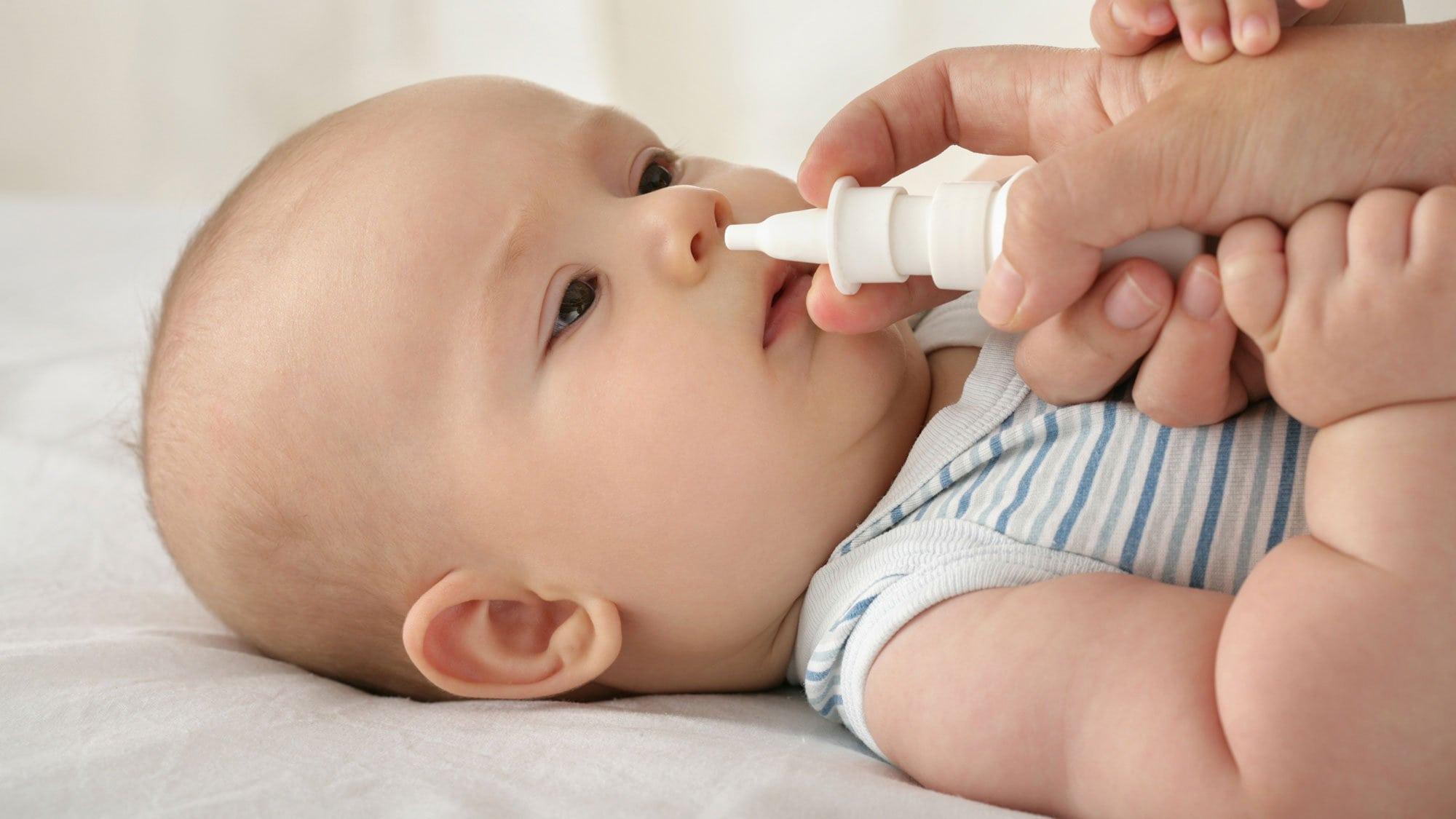 Детям лучше не закапывать нос при простуде