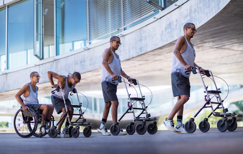 Пациентов с параличом конечностей снова научили ходить