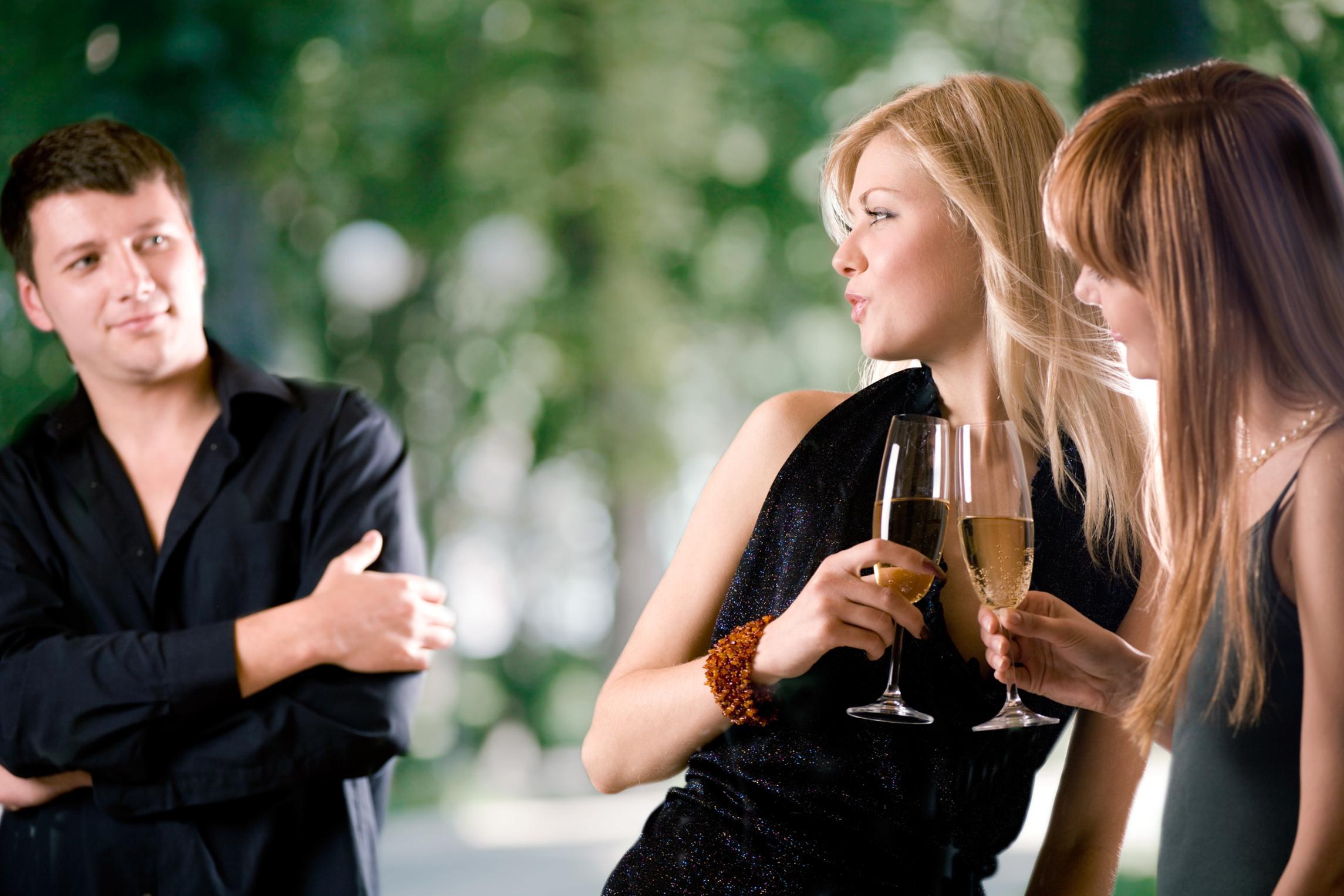 Женщины понизили голос при выборе партнера в условиях высокой конкуренции