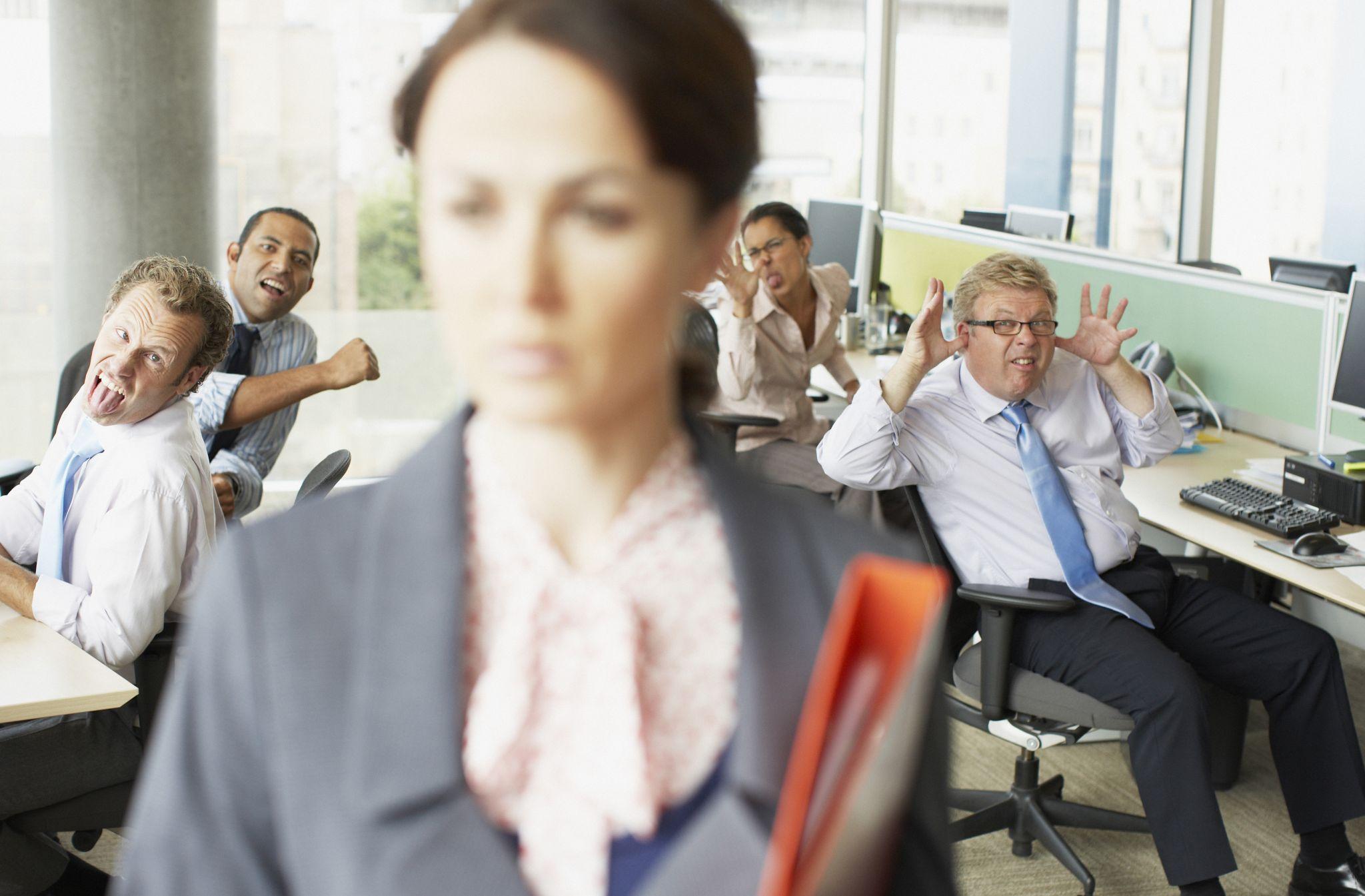 Грубость на работе избавила от сна работников и их партнеров-коллег