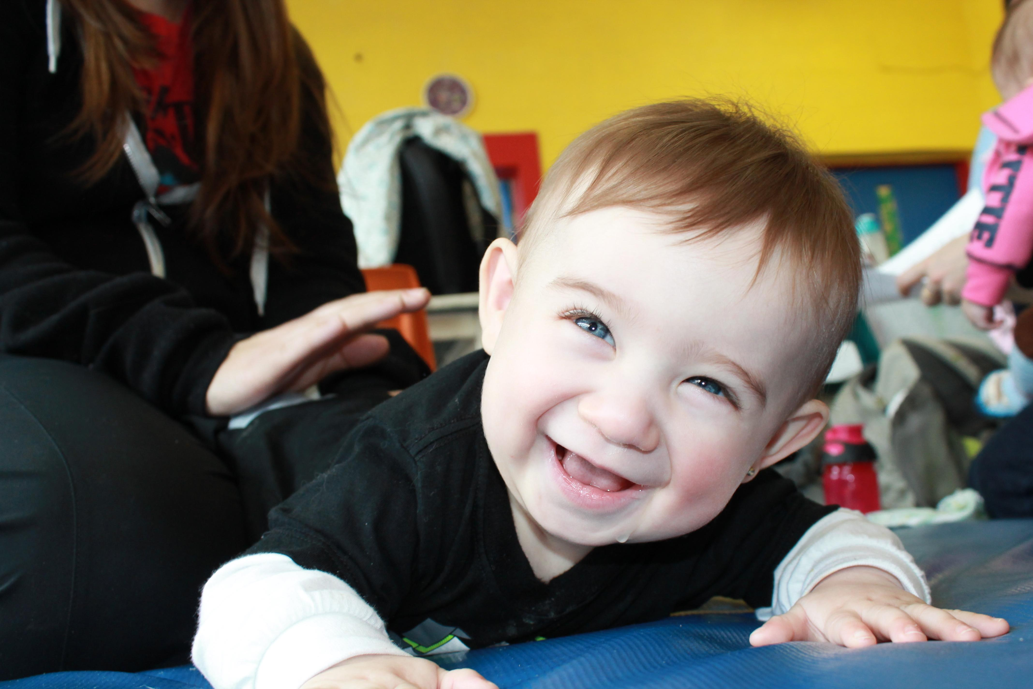 Активность мозга матери повлияла на внимание ребенка во время игры