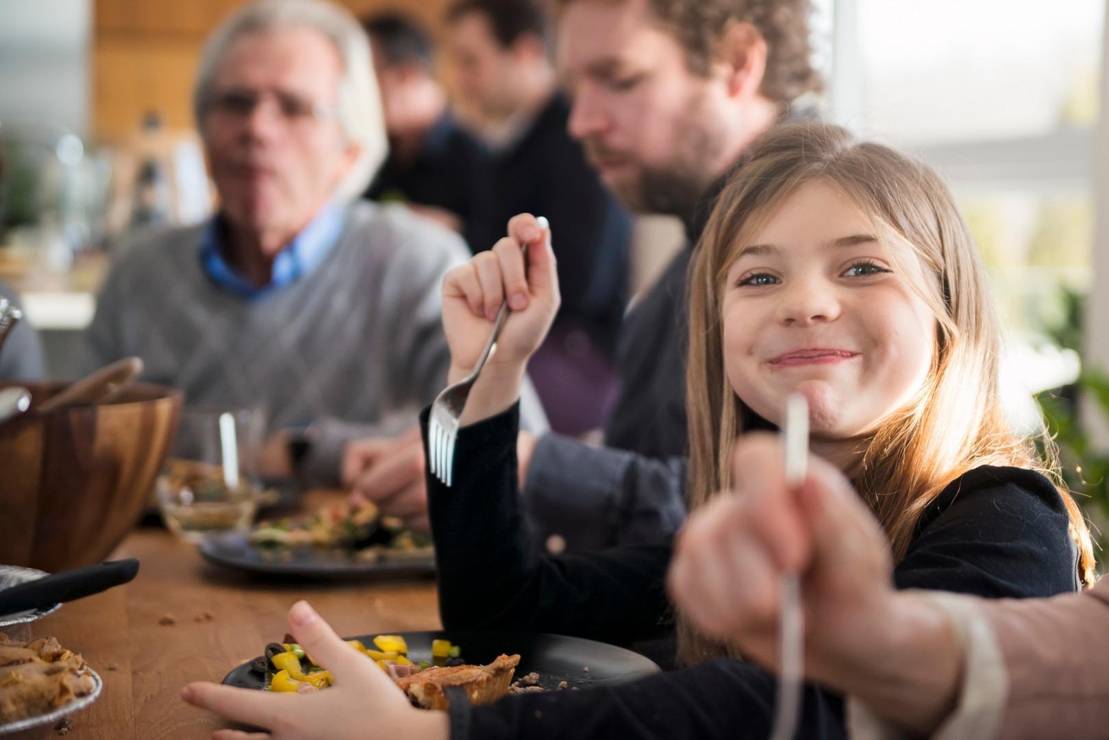 Как научить ребёнка готовить и приучить к здоровому питанию