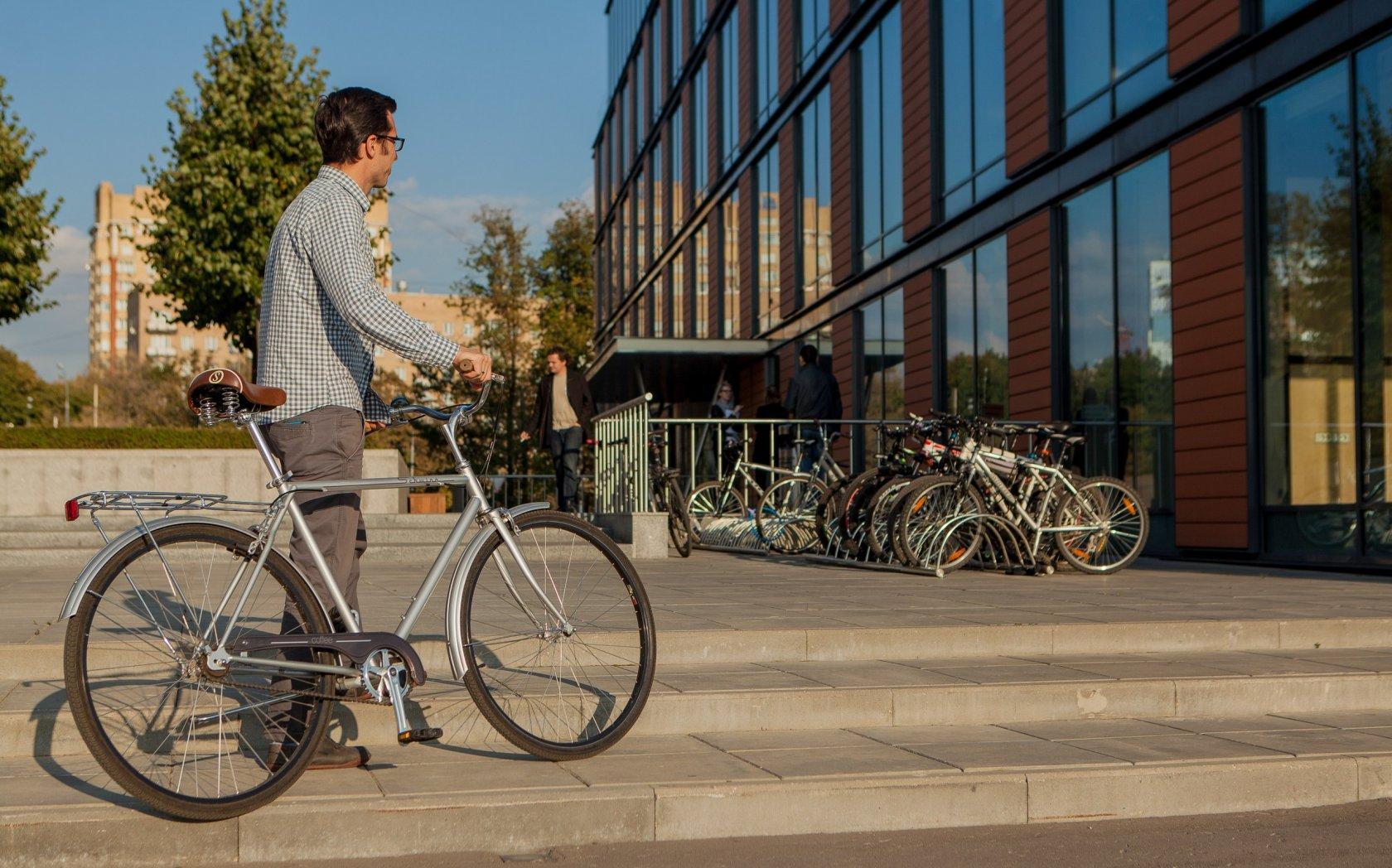 Велопоездки на работу помогли сбросить вес не хуже тренировок