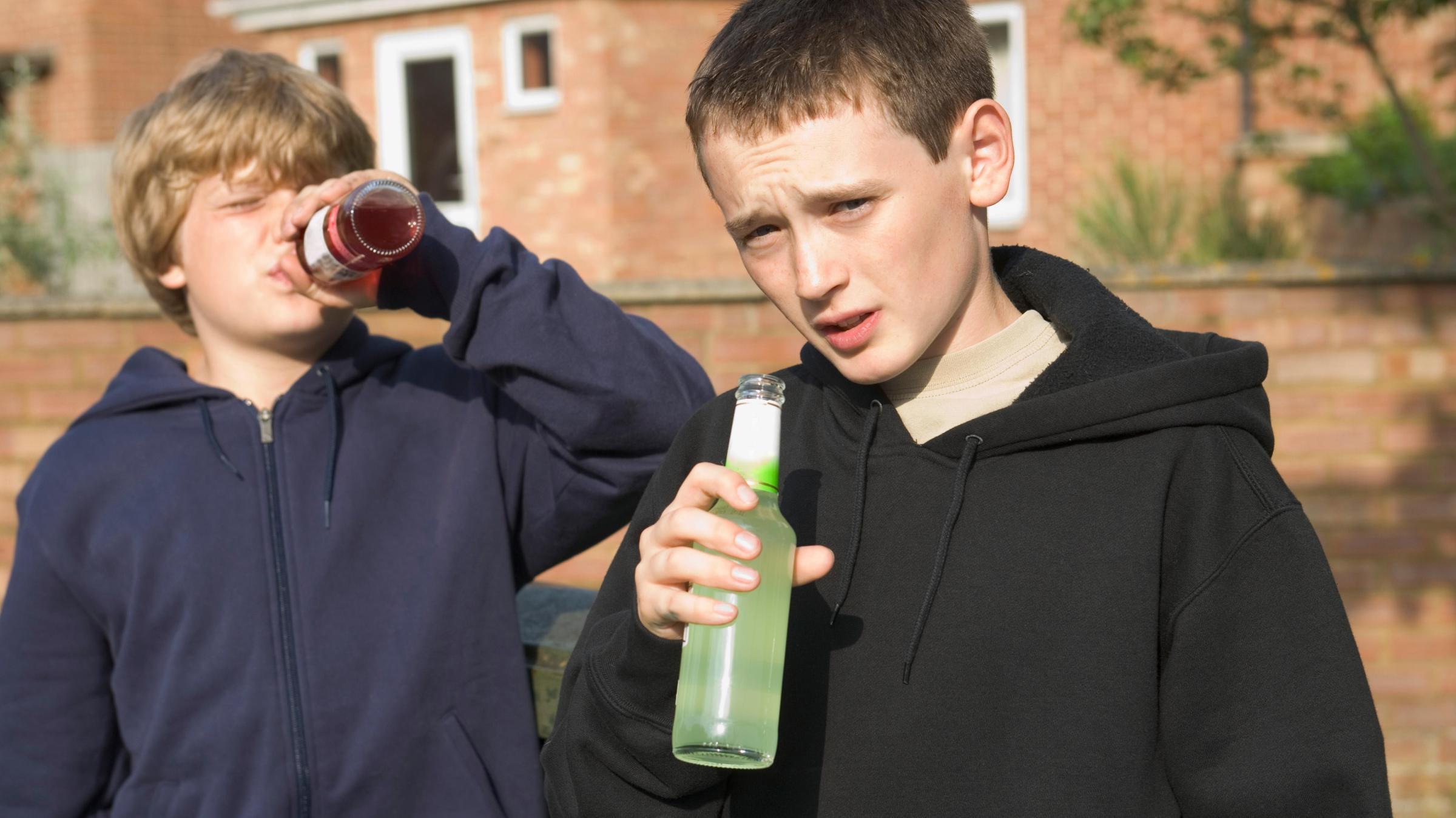 Вред алкоголя для молодых людей сильно недооценивают