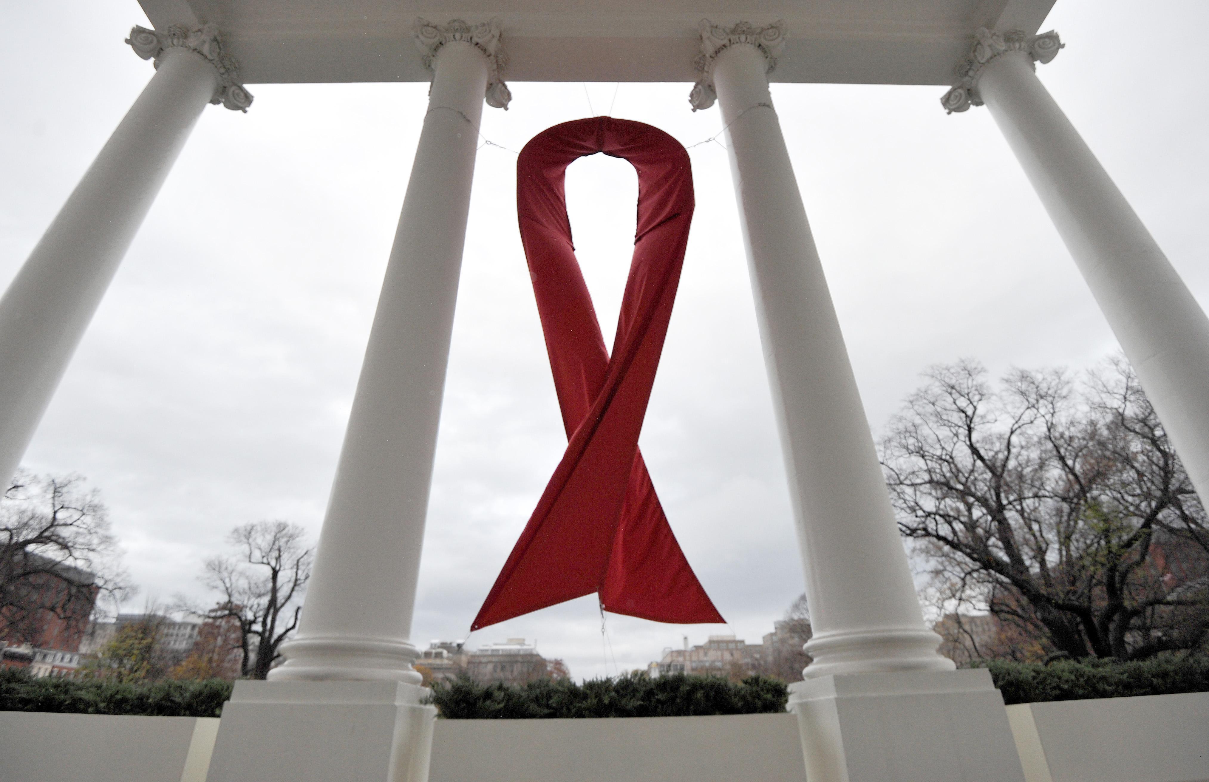 Врачи во второй раз в истории добились ремиссии у пациента с ВИЧ после пересадки костного мозга