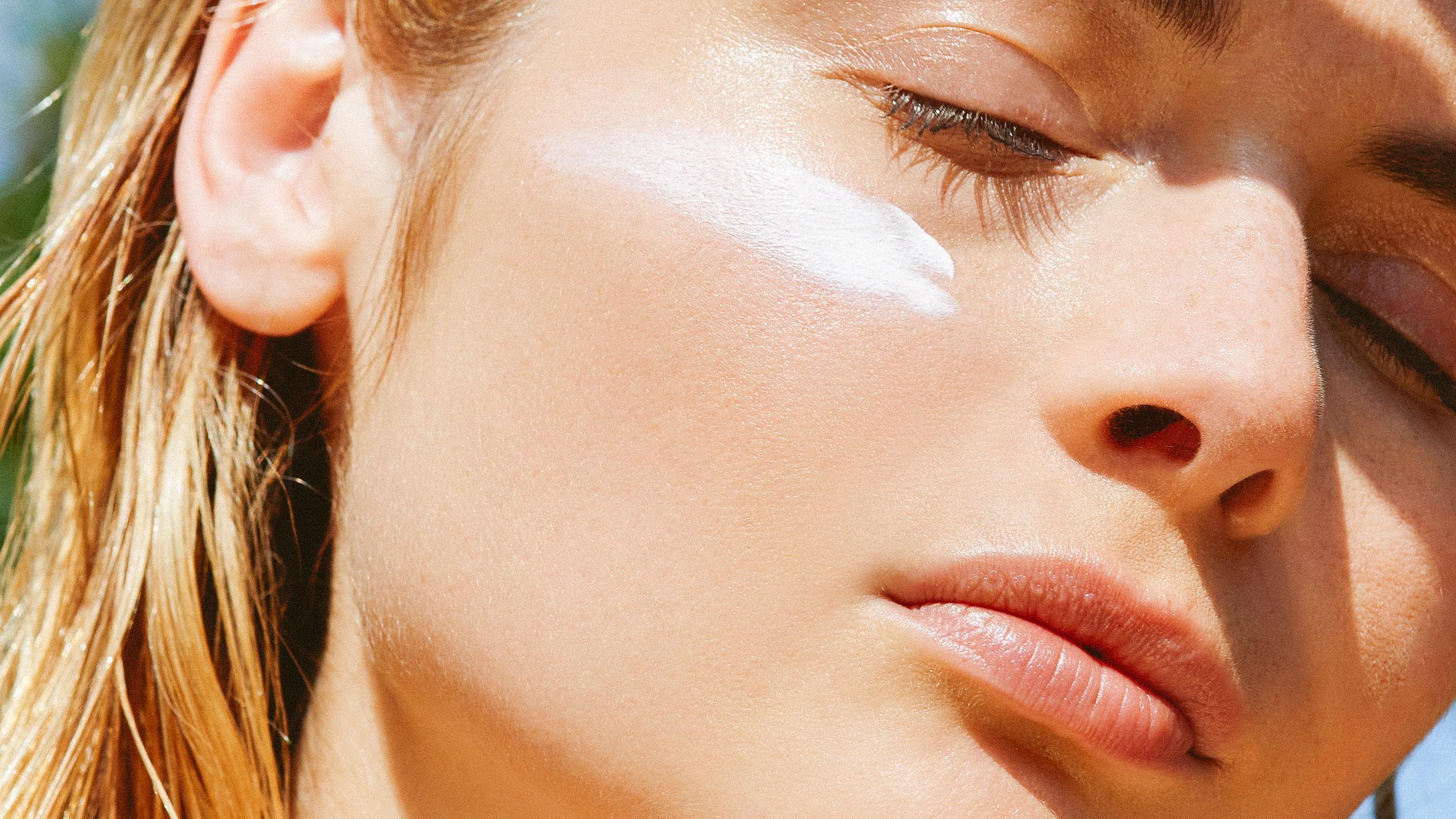 Люди забывают наносить солнцезащитный крем на самые важные участки кожи