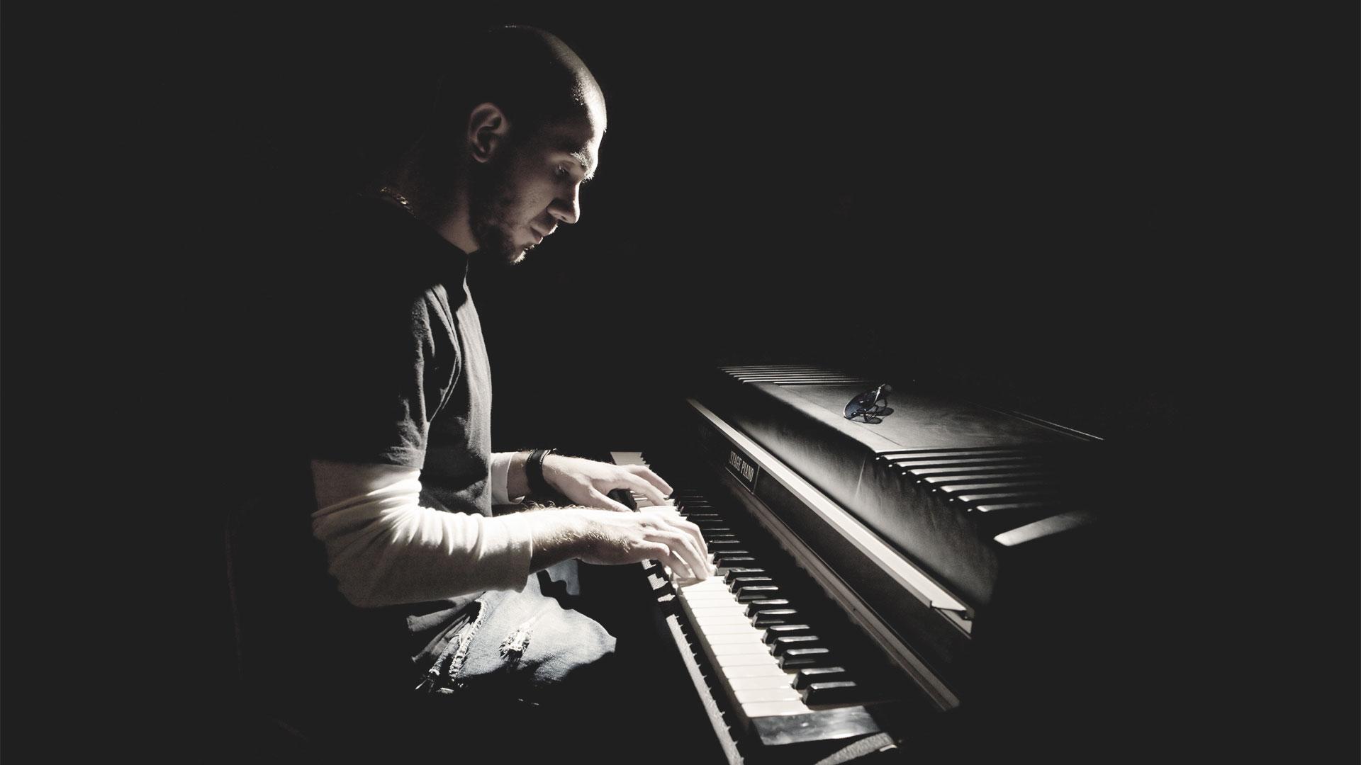 Печальная музыка помогла людям с депрессией почувствовать себя лучше