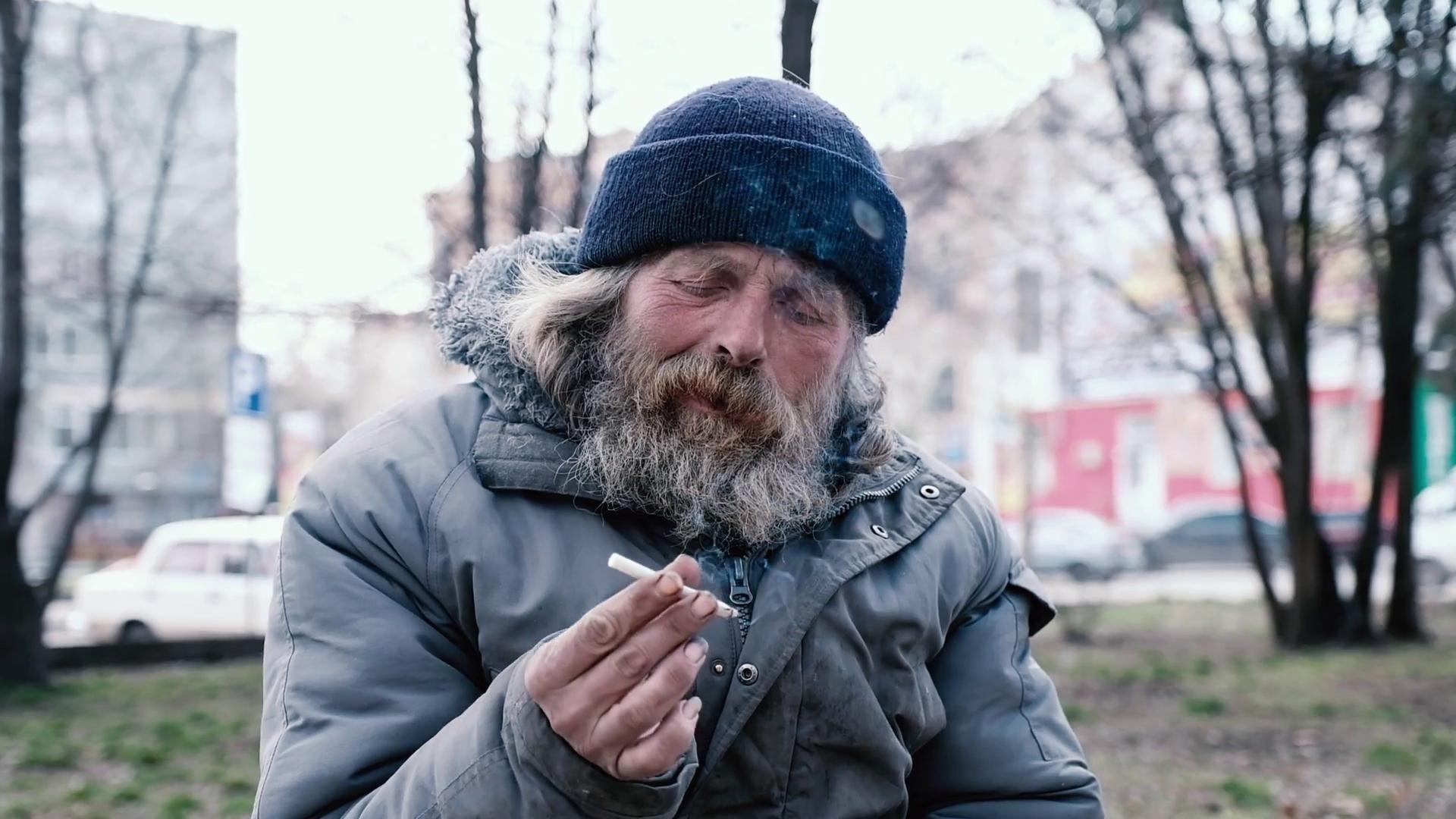 Россияне курят все меньше