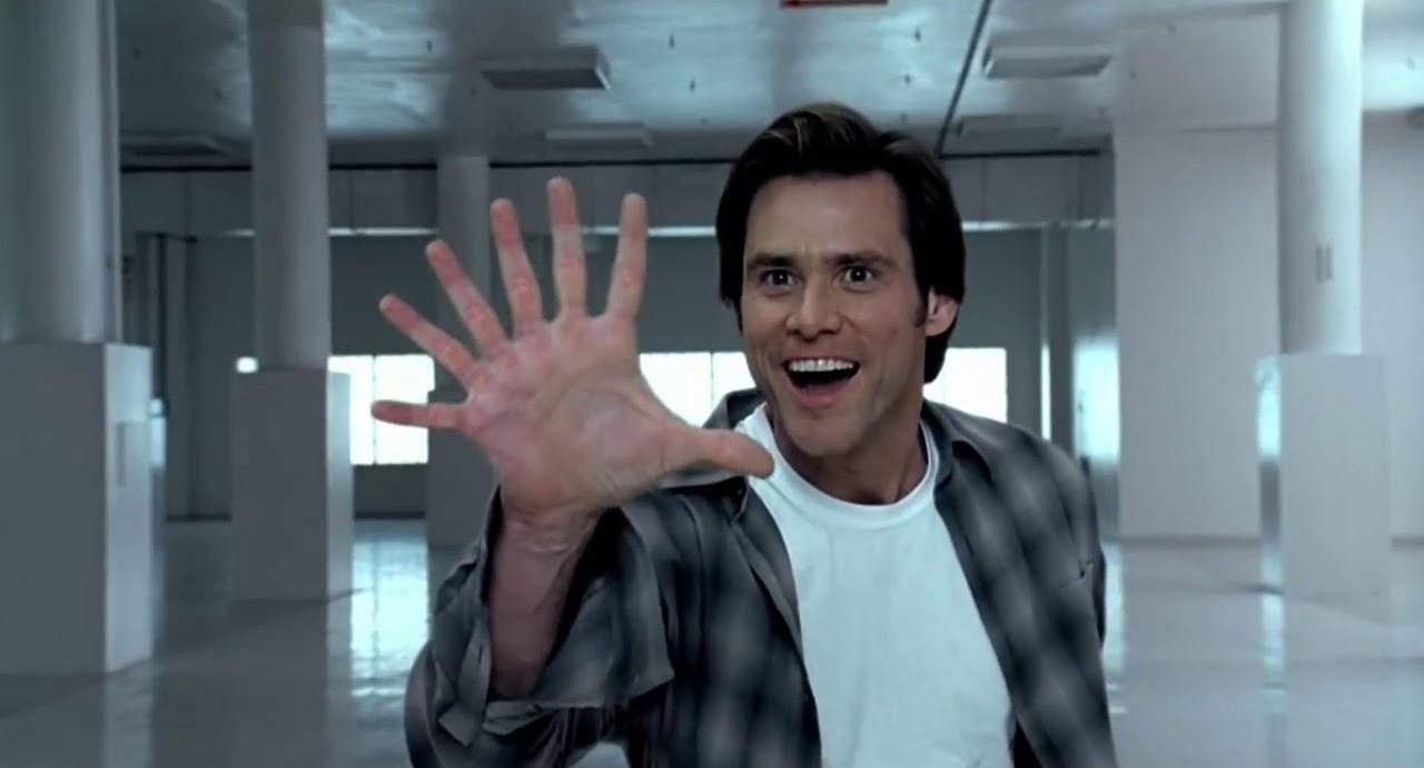 Одна рука с шестью пальцами заменила две с пятью