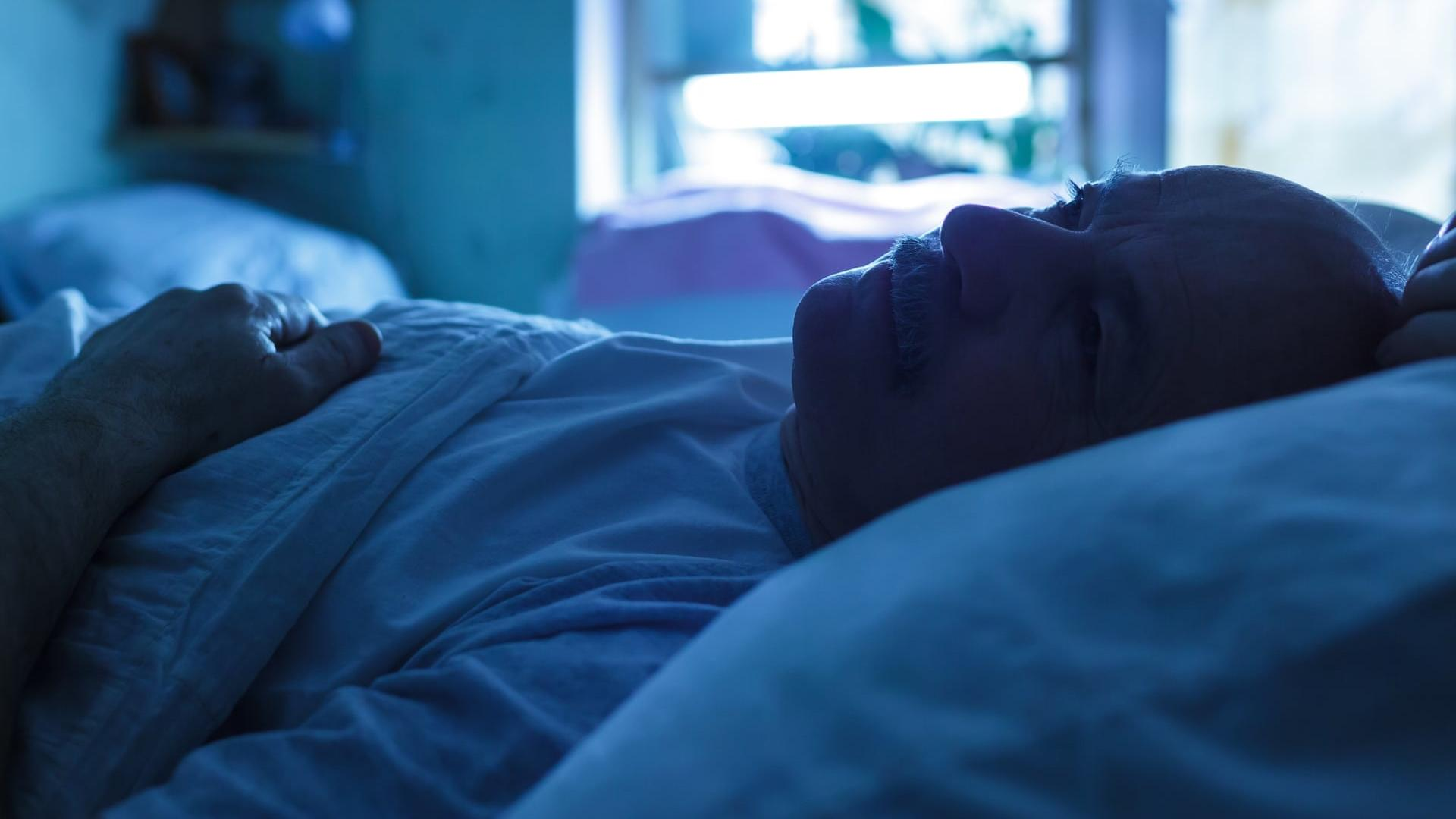 Психотерапия может эффективно помочь при бессоннице