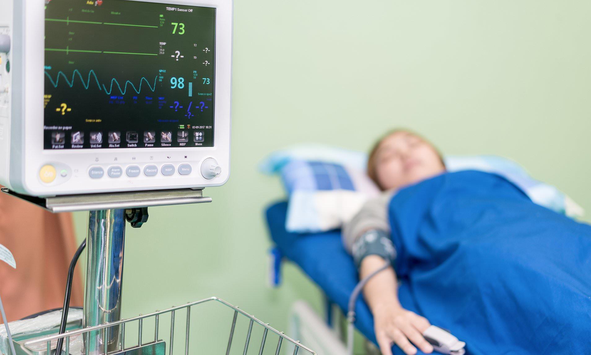 Пожилые пациенты часто страдают от бессимптомного инсульта после операции