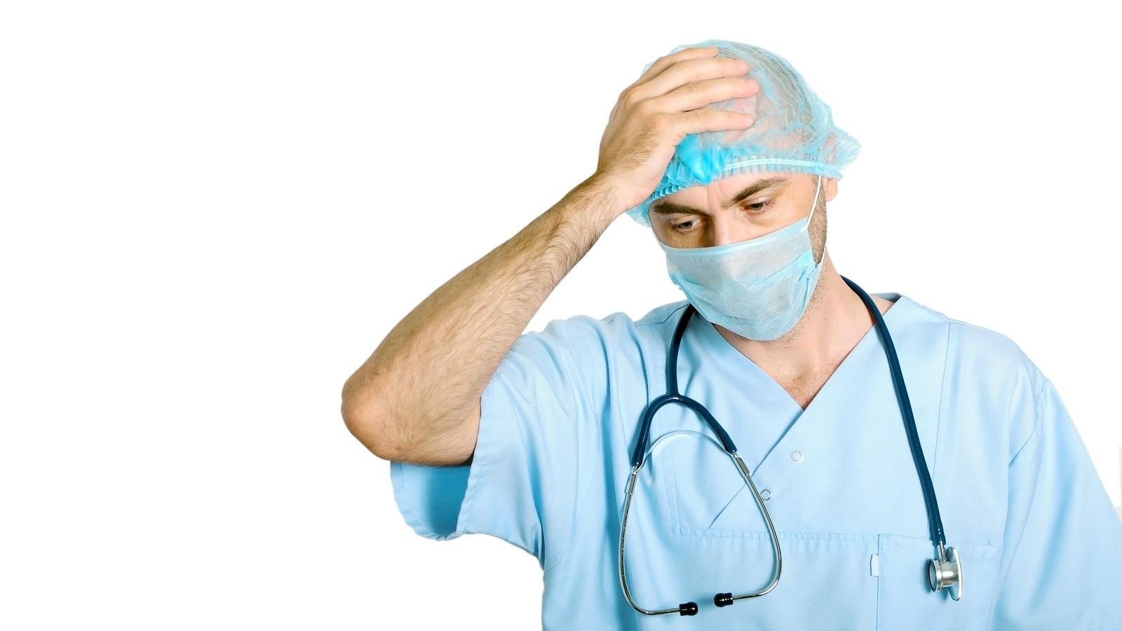 «Увольнение с работы — последний способ защиты врачей. Похоже, других прав у нас не осталось»