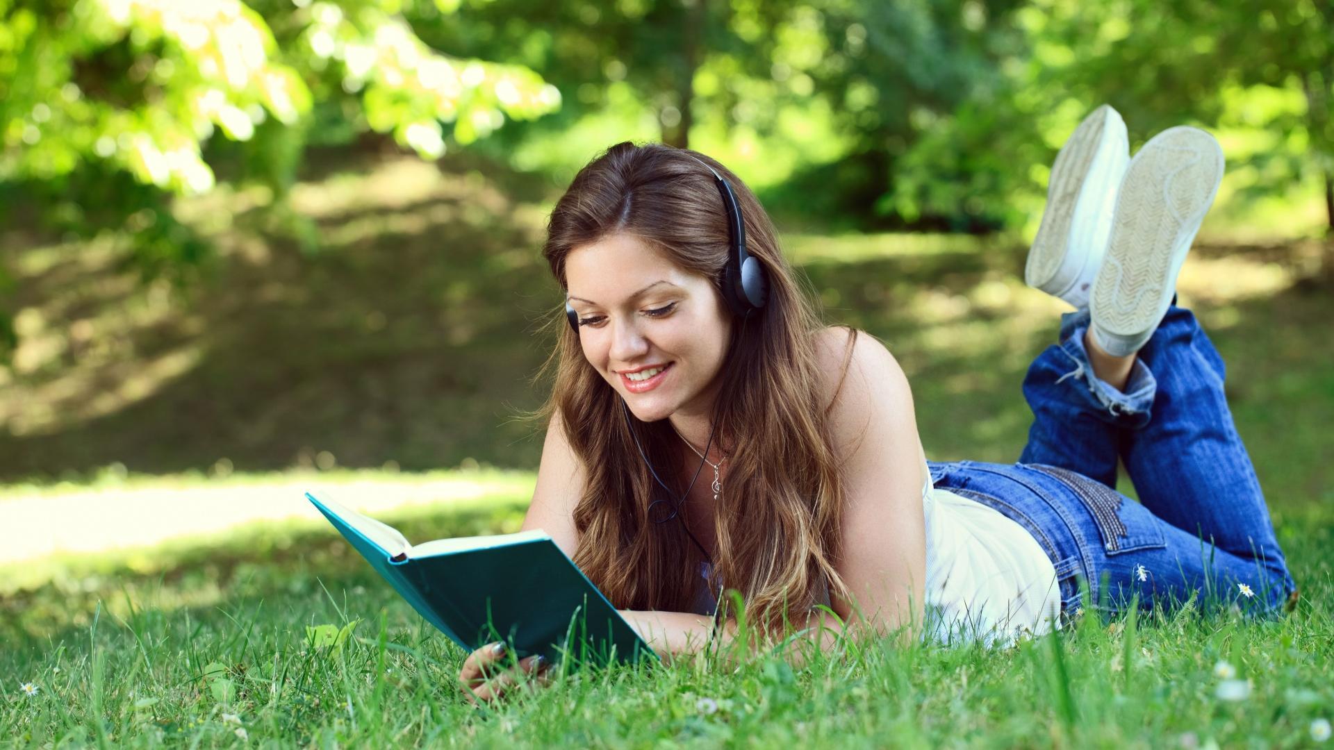 Мы читаем и слушаем текст разными нейронами