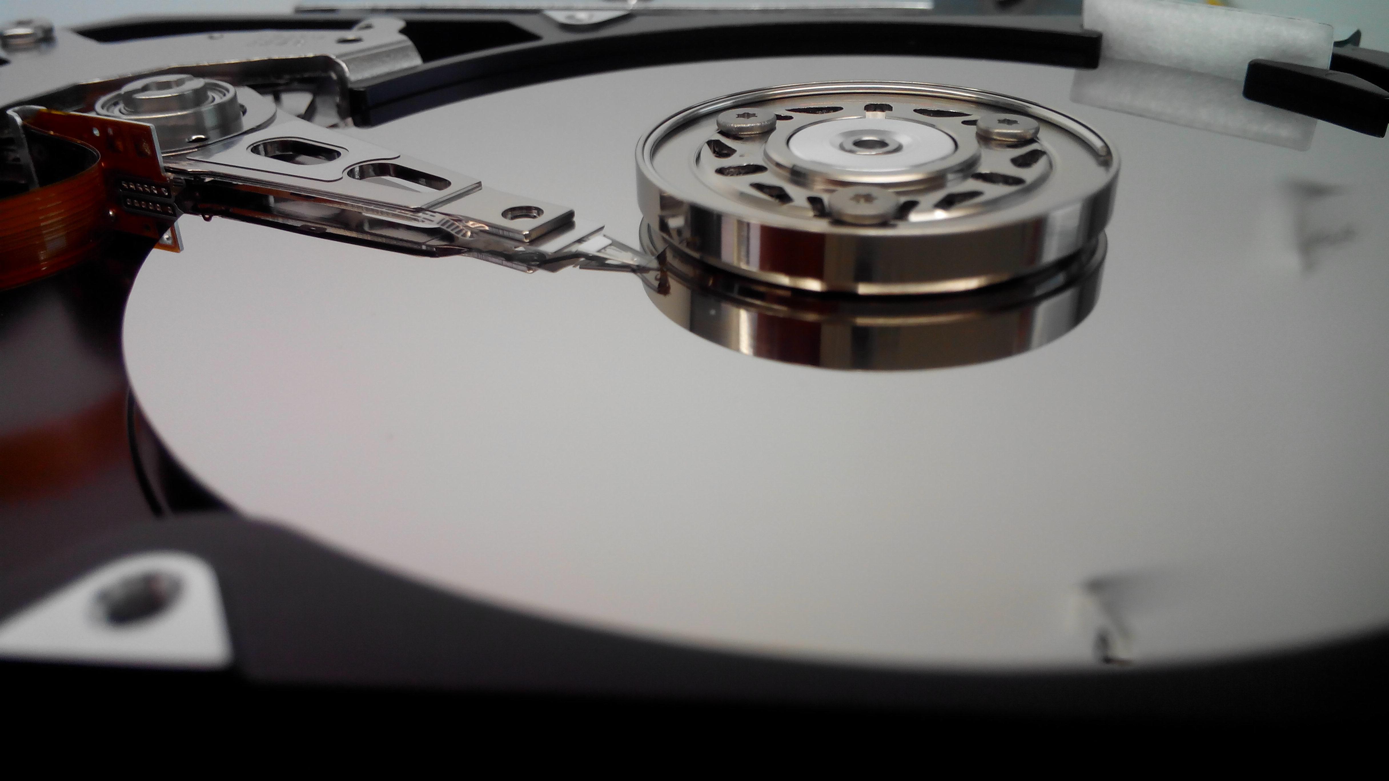 Серверные жесткие диски: отличия от обычных компьютерных