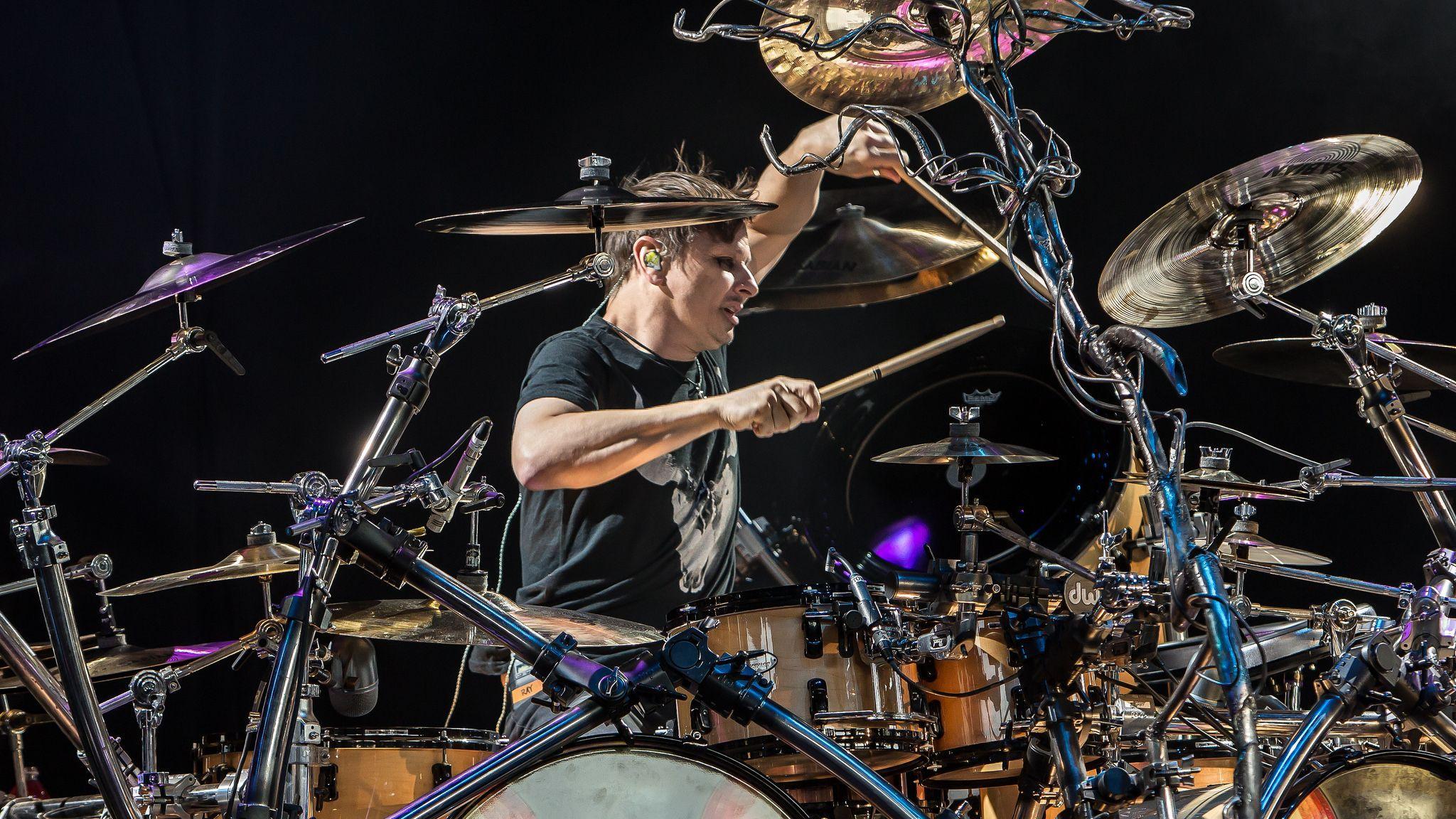 Координация рук: как барабанщики помогли изучить мозг