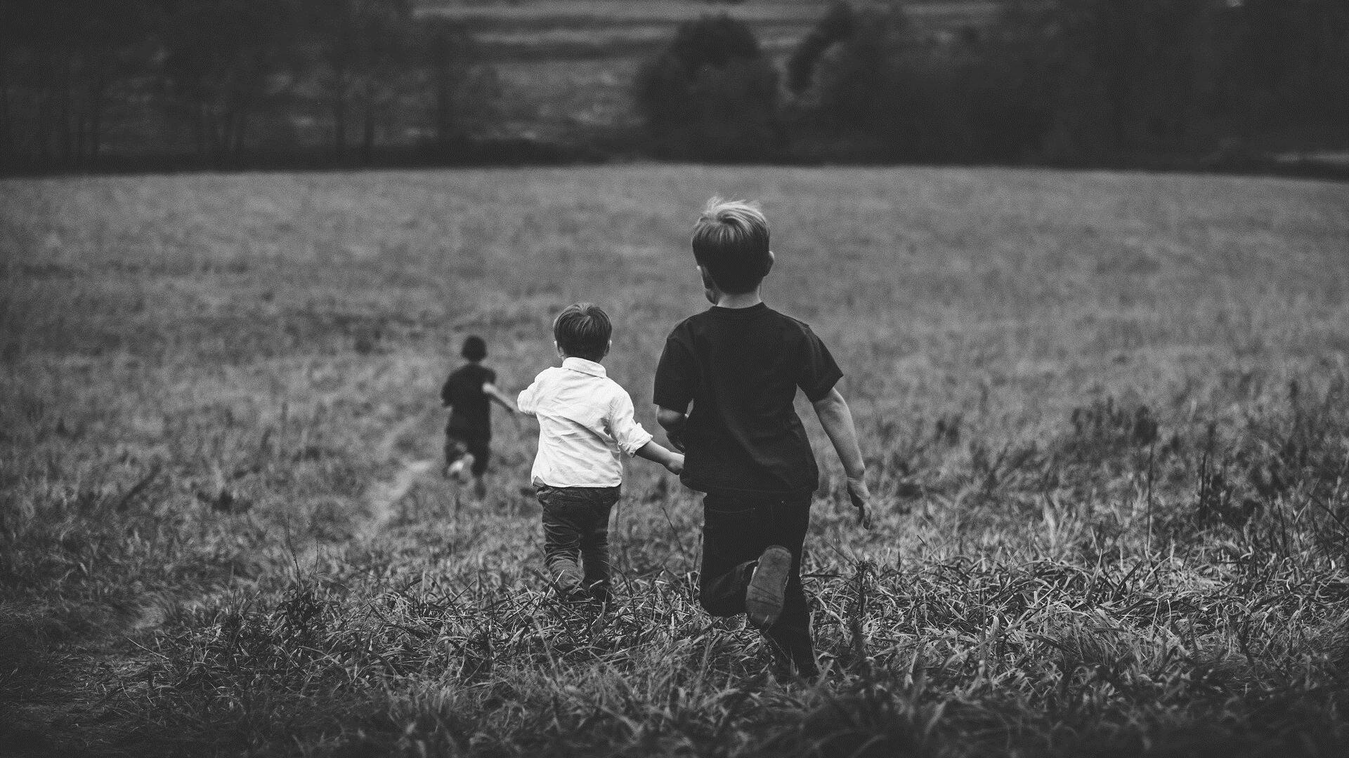 Дети, демонстрирующие меньше страха и реже подражающие другим, становятся более черствыми и отстраненными взрослыми