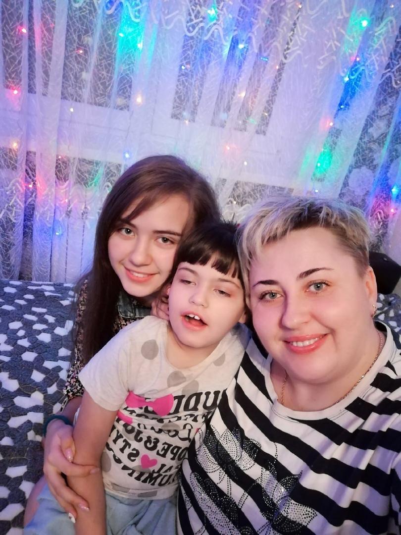 «Постоянно просить о помощи – другой альтернативы нет»: история девочки с синдромом Ретта