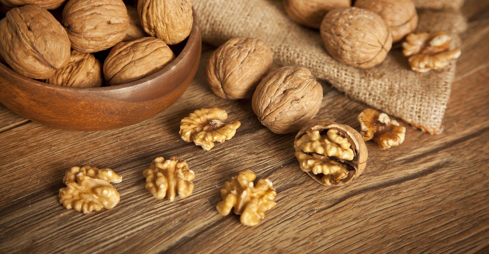 Грецкие орехи замедляют когнитивные нарушения у пожилых людей