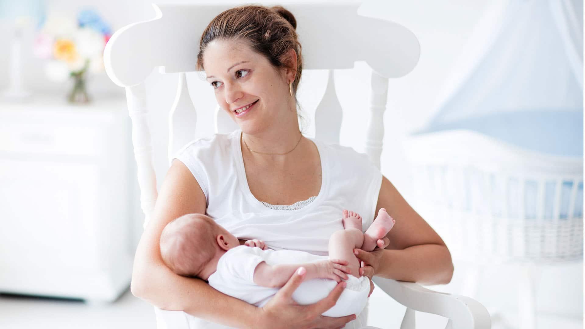 Обнаружен компонент материнского молока, способствующий когнитивному развитию ребенка