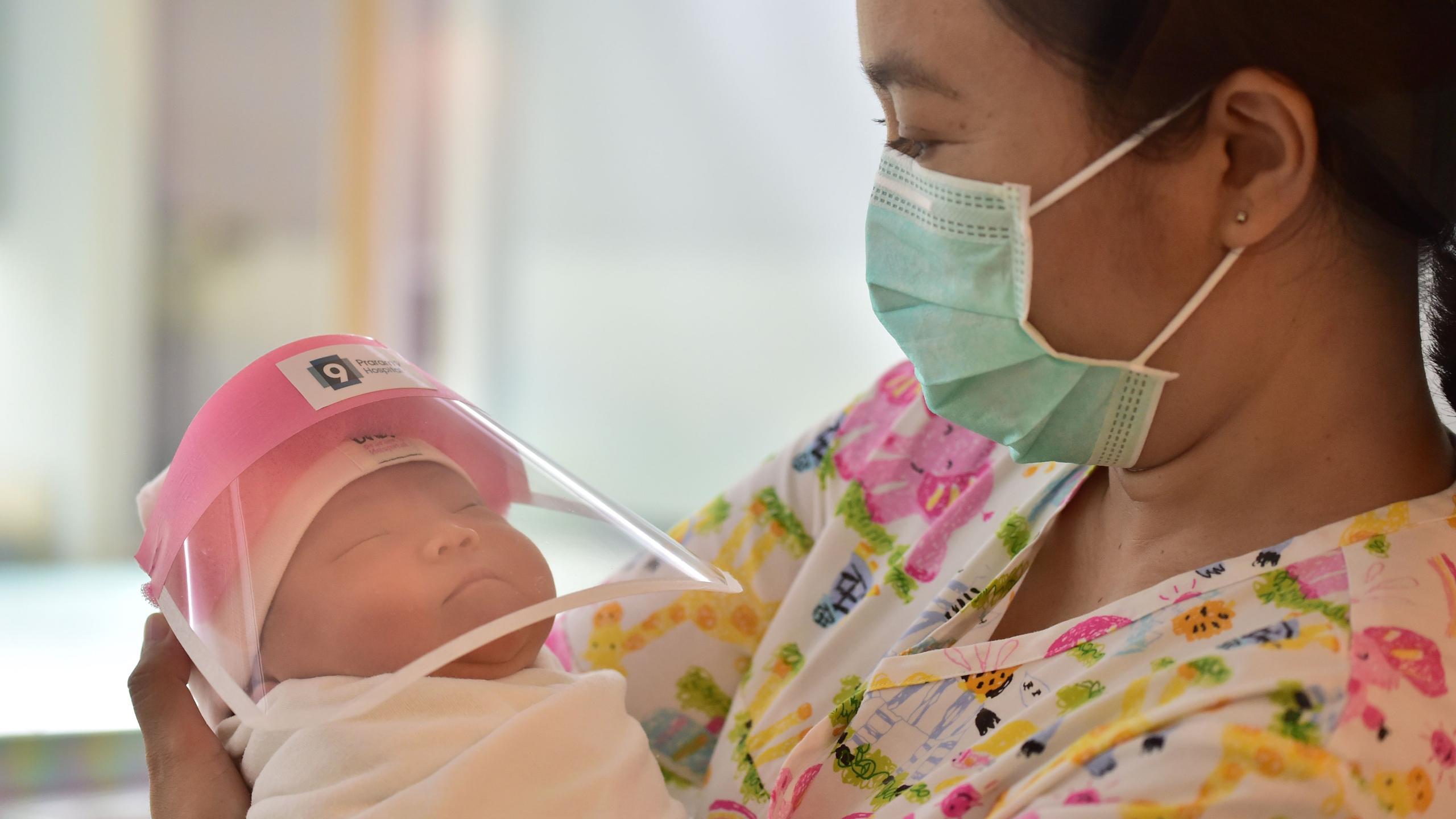 Стоит ли изолировать младенцев от матерей с Covid-19