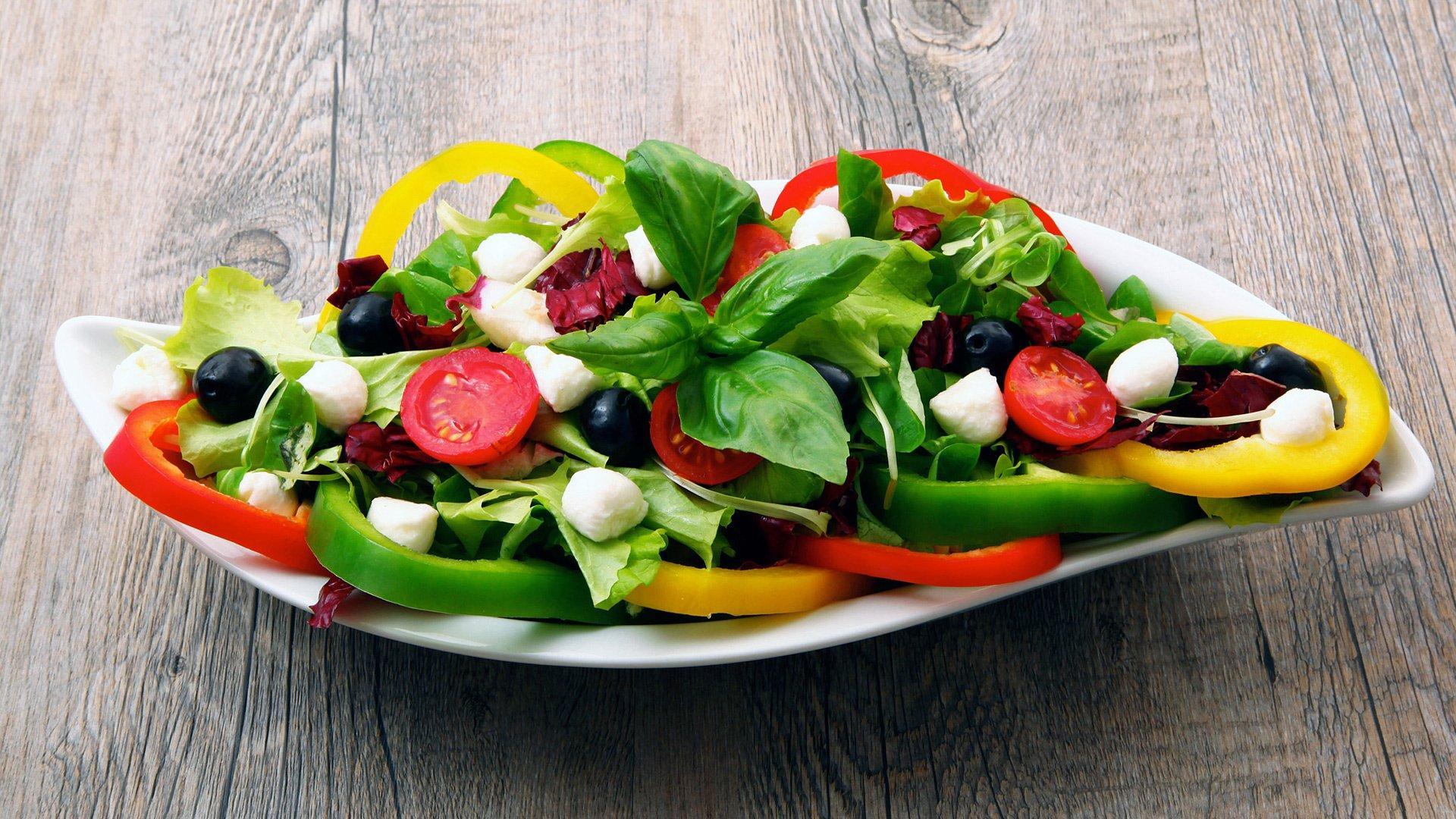 Четкое следование средиземноморской диете замедляет снижение памяти и умственной работоспособности