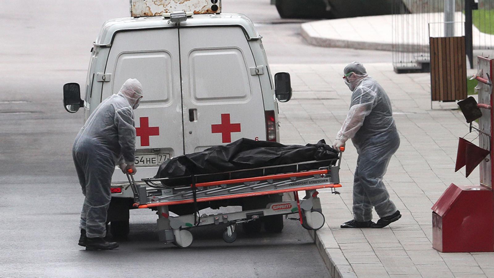 Врач из Нью-Йорка обвинил власти РФ в существенном занижении смертности от COVID-19