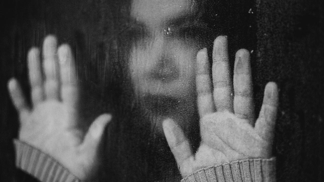 Делирий, ПТСР, депрессия и тревожность - описаны психические нарушения при коронавирусах