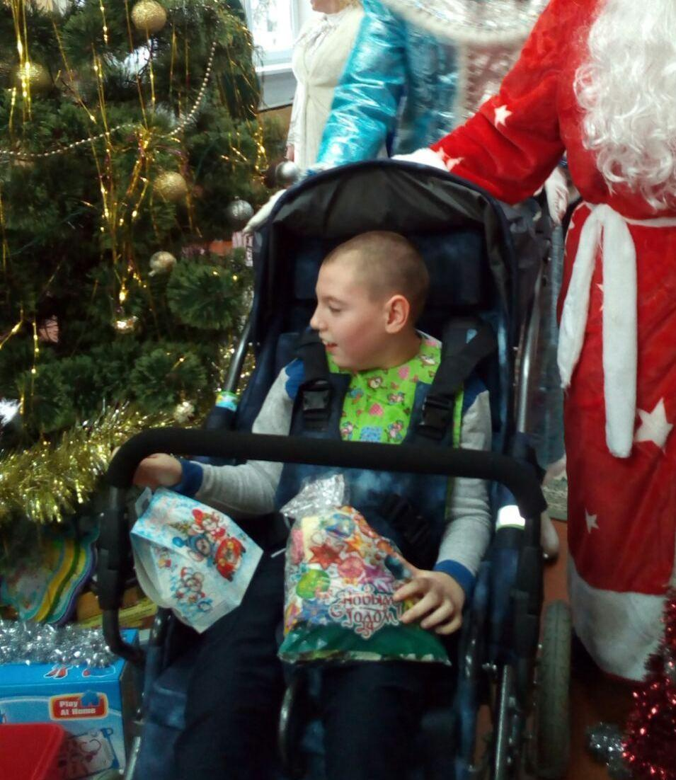Сидеть в коляске без боли… 12-летнему Вадиму Романчуку нужна ваша помощь!