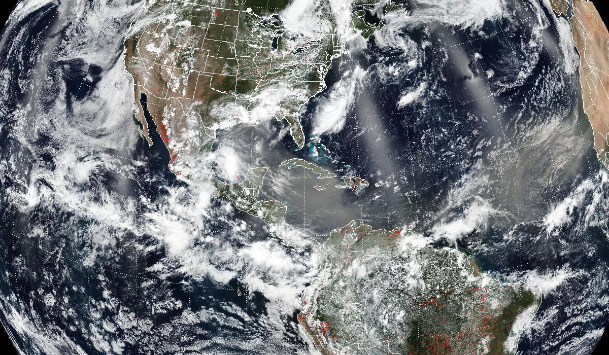 Пылевое облако из Сахары достигло США
