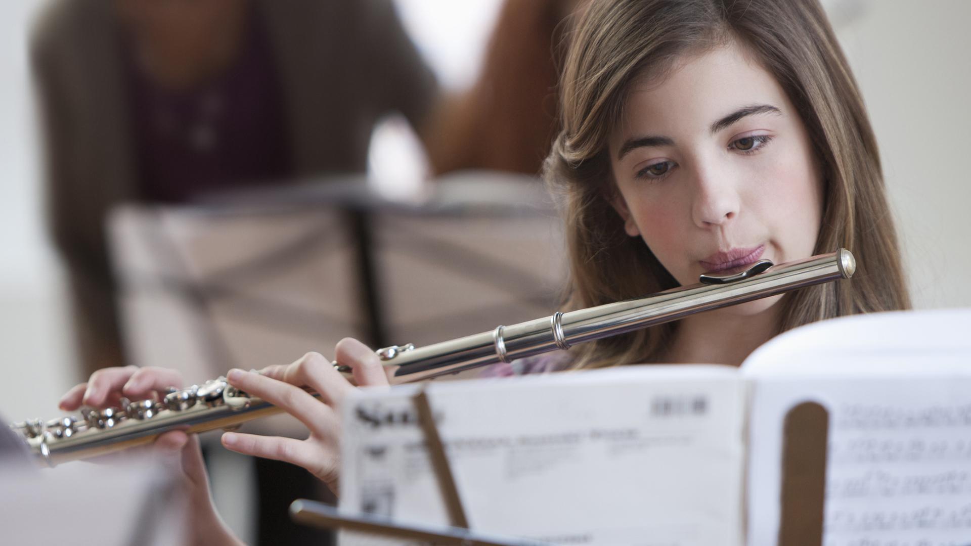 Ученые опровергли теорию о положительном влиянии музыкального обучения на когнитивные способности детей