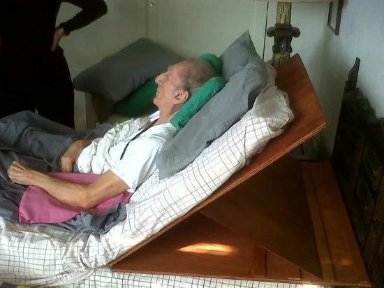 Медицинская кровать для лежачего больного своими руками